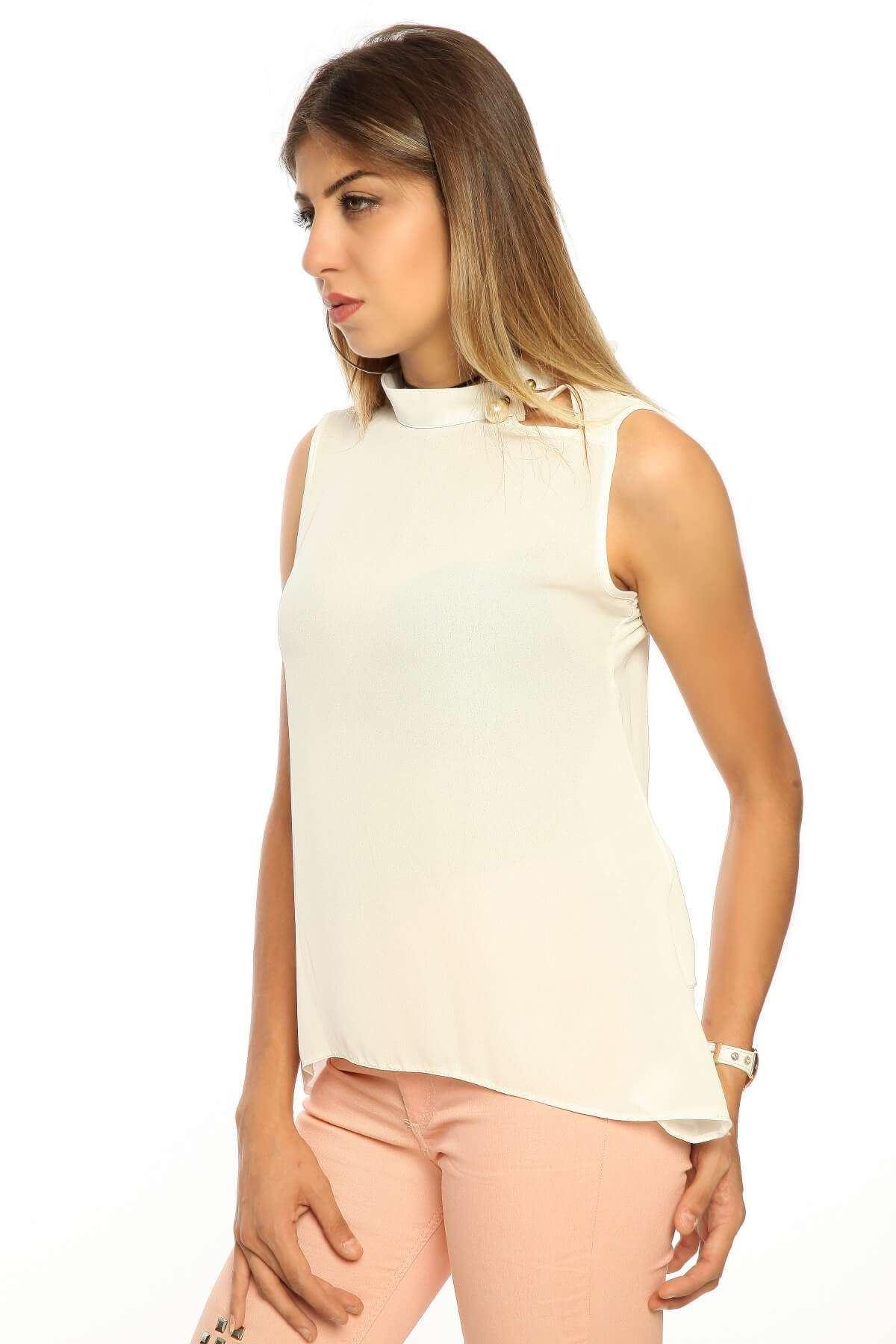 Arkası Yırtmaç İnci Detaylı Bluz Beyaz