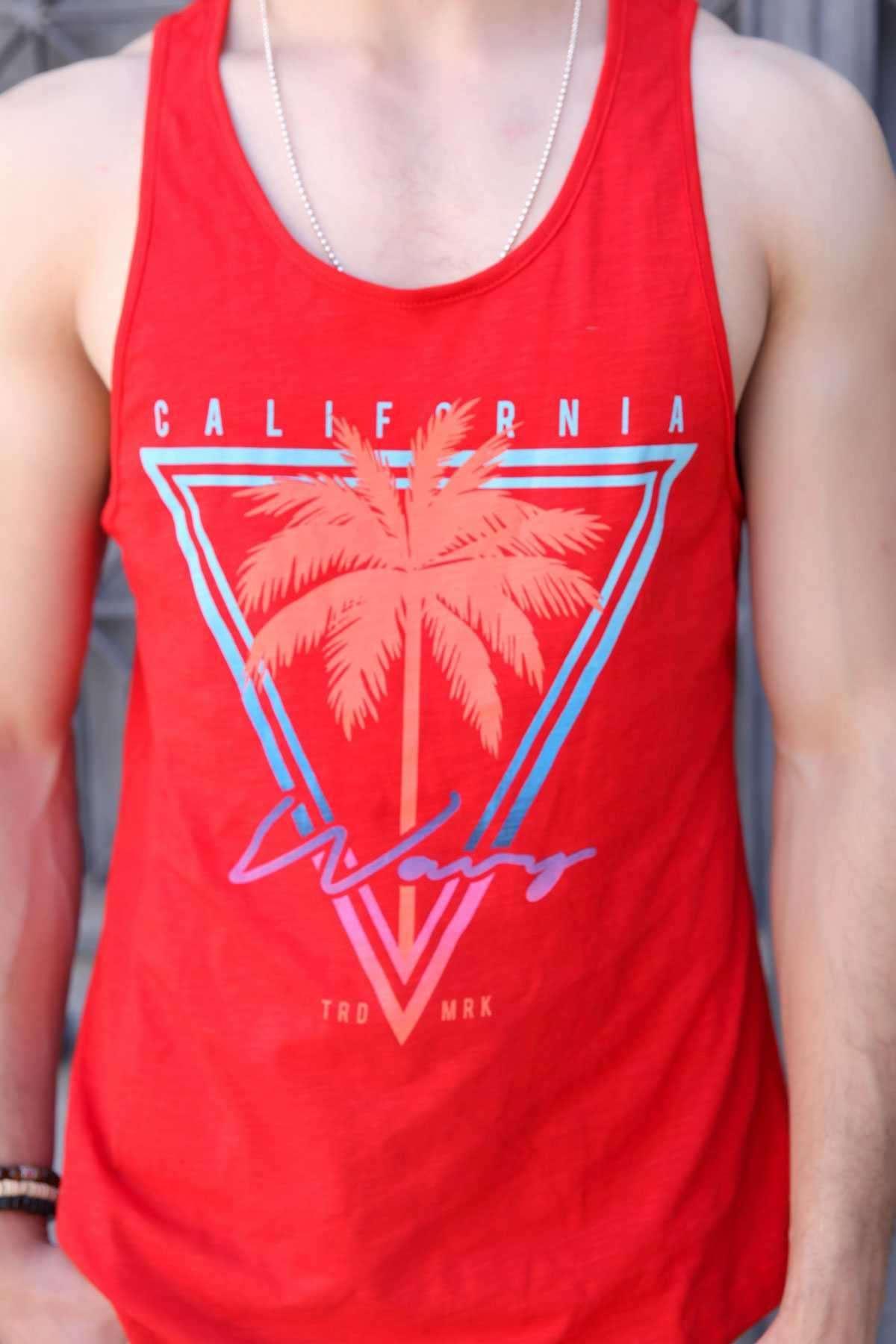 California Yazılı Üçgen Ve Palmiye Baskılı Slim Fit Atlet Kırmızı