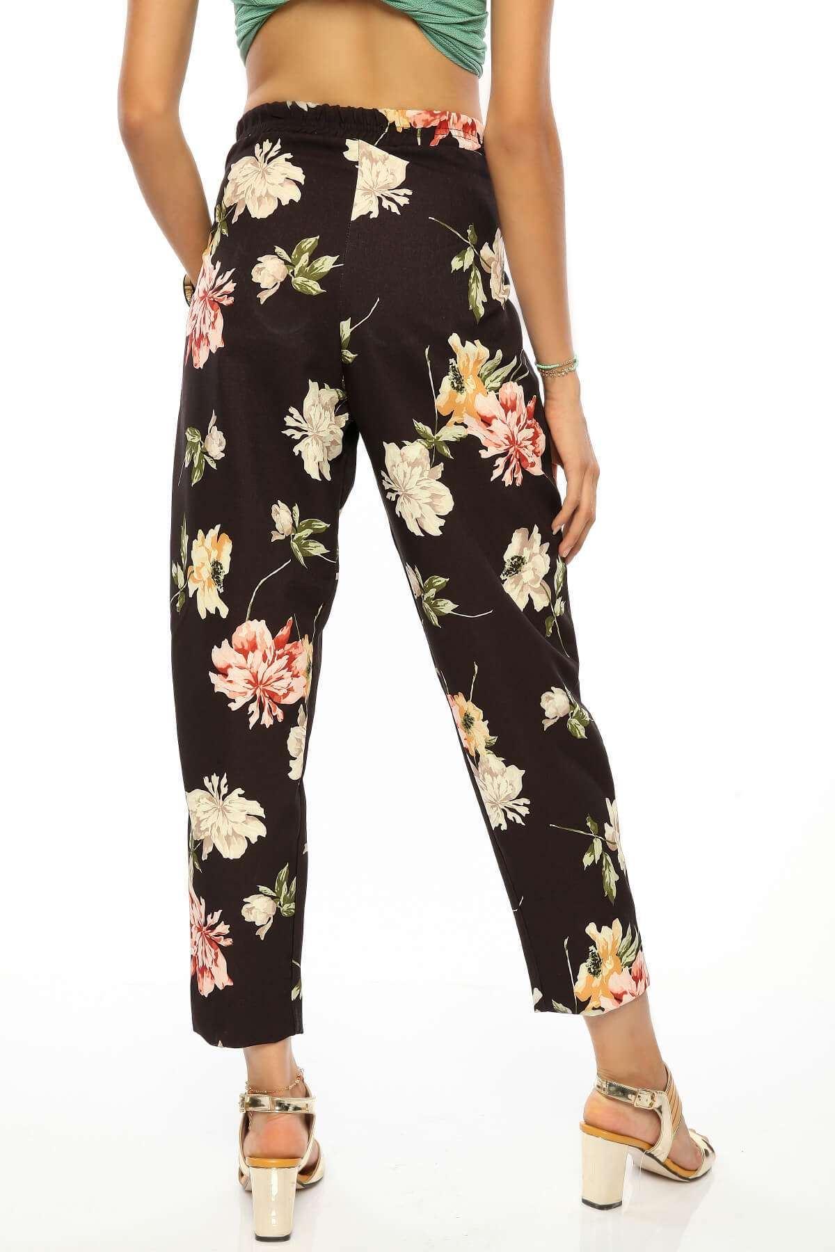 Çiçek Desenli Kemer Detaylı Pantolon Siyah