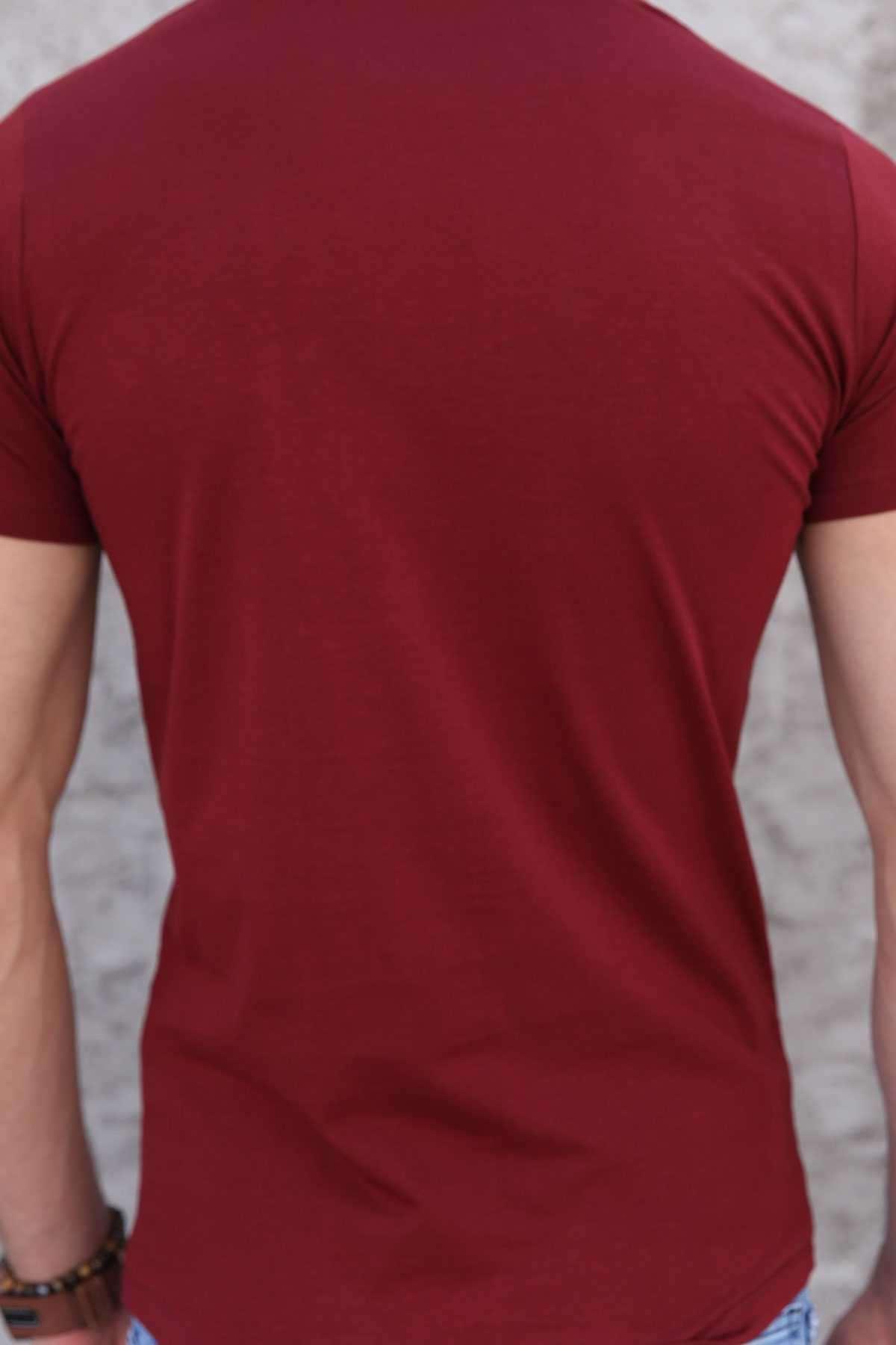 Göğüs Deri Üçgen Baskılı Pis Yaka Slim Fit Tişört Bordo