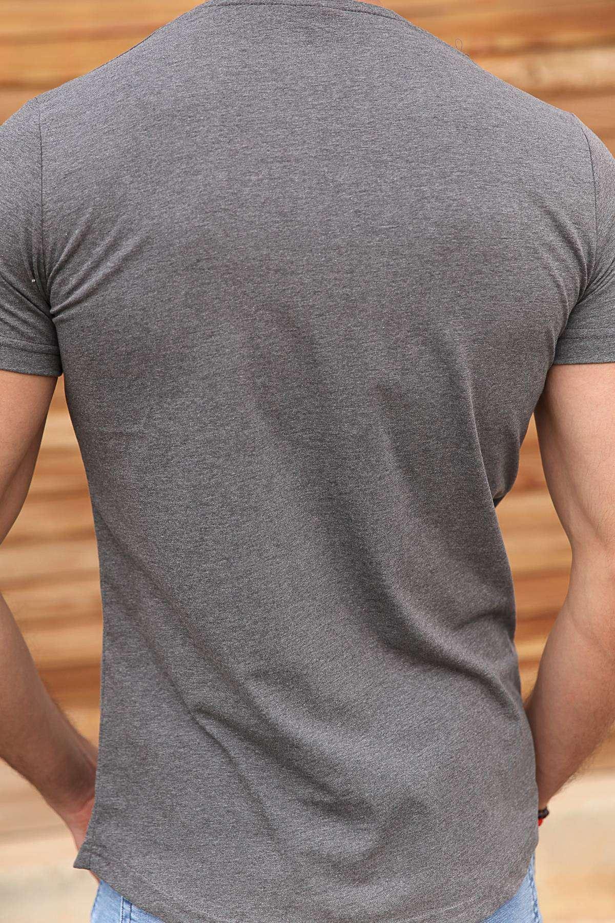 Göğüs Deri Şeritli Metal Aksesuarlı Slim Fit Tişört Antrasit
