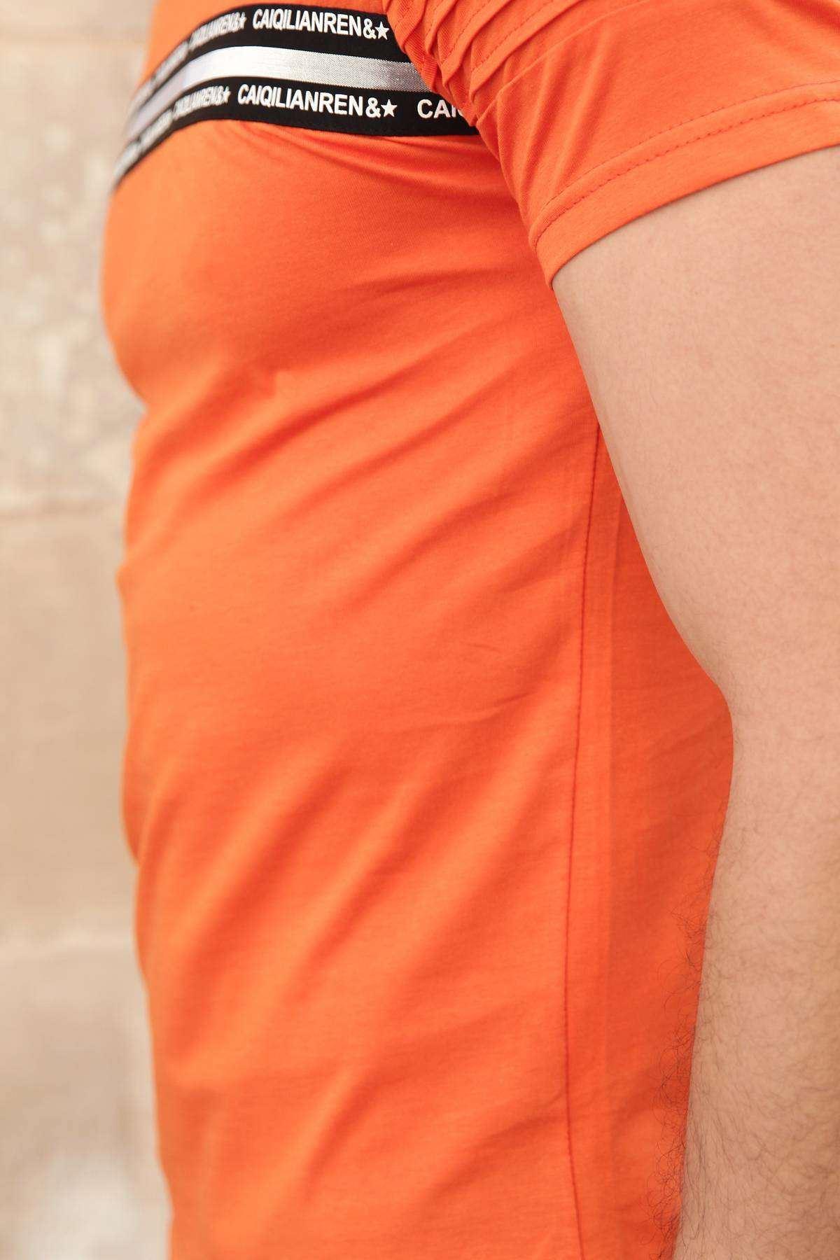 Göğüs Parlak Şerit Yazılı Kol Nervürlü Slim Fit Tişört Turuncu