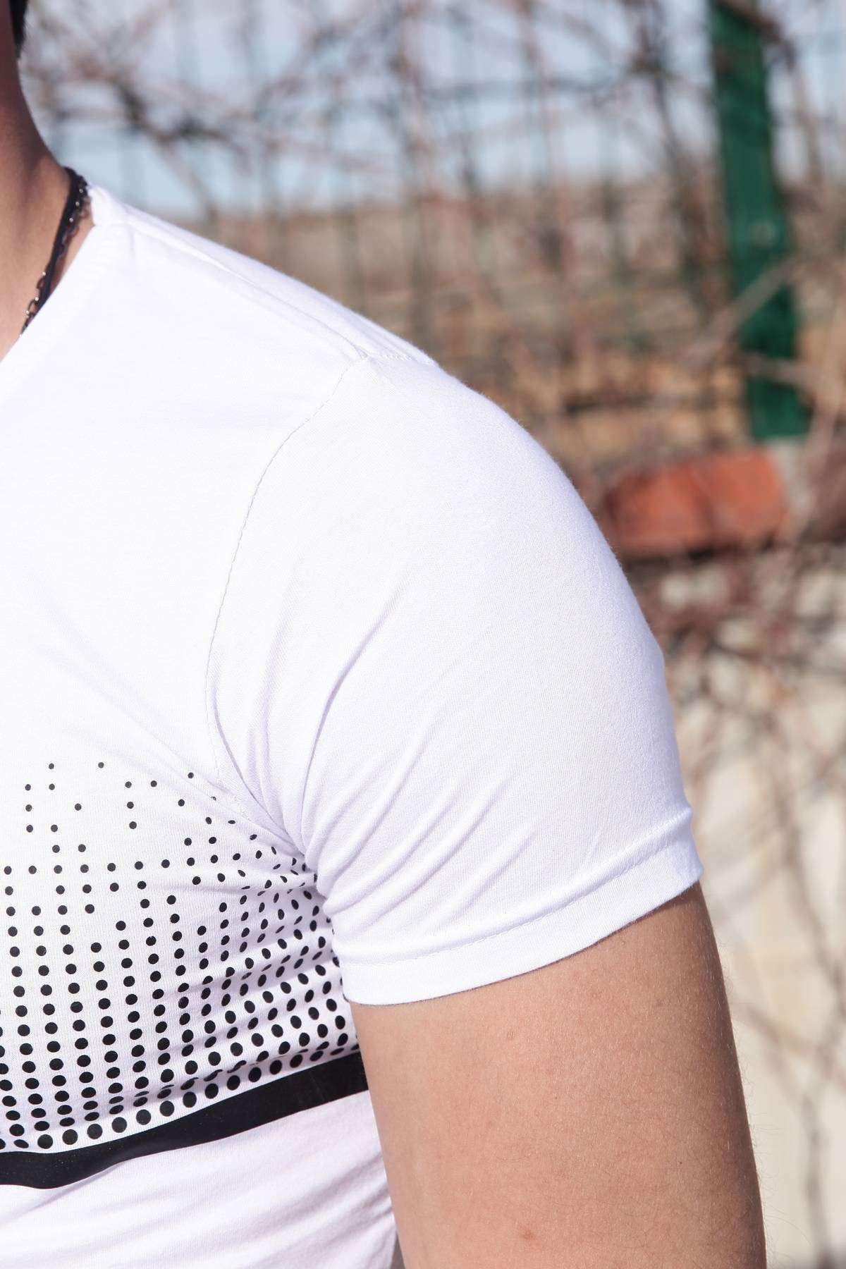 Göğüs Nokta Desenli Altı Astarlı Simit Yaka Tişört Beyaz