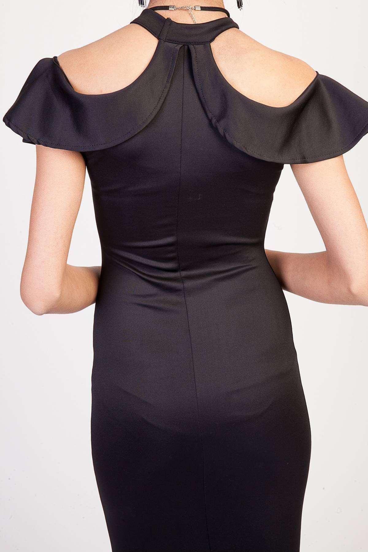 Göğüs Ve Omuz Fırfır Detaylı Tasma Yaka Uzun Elbise Siyah