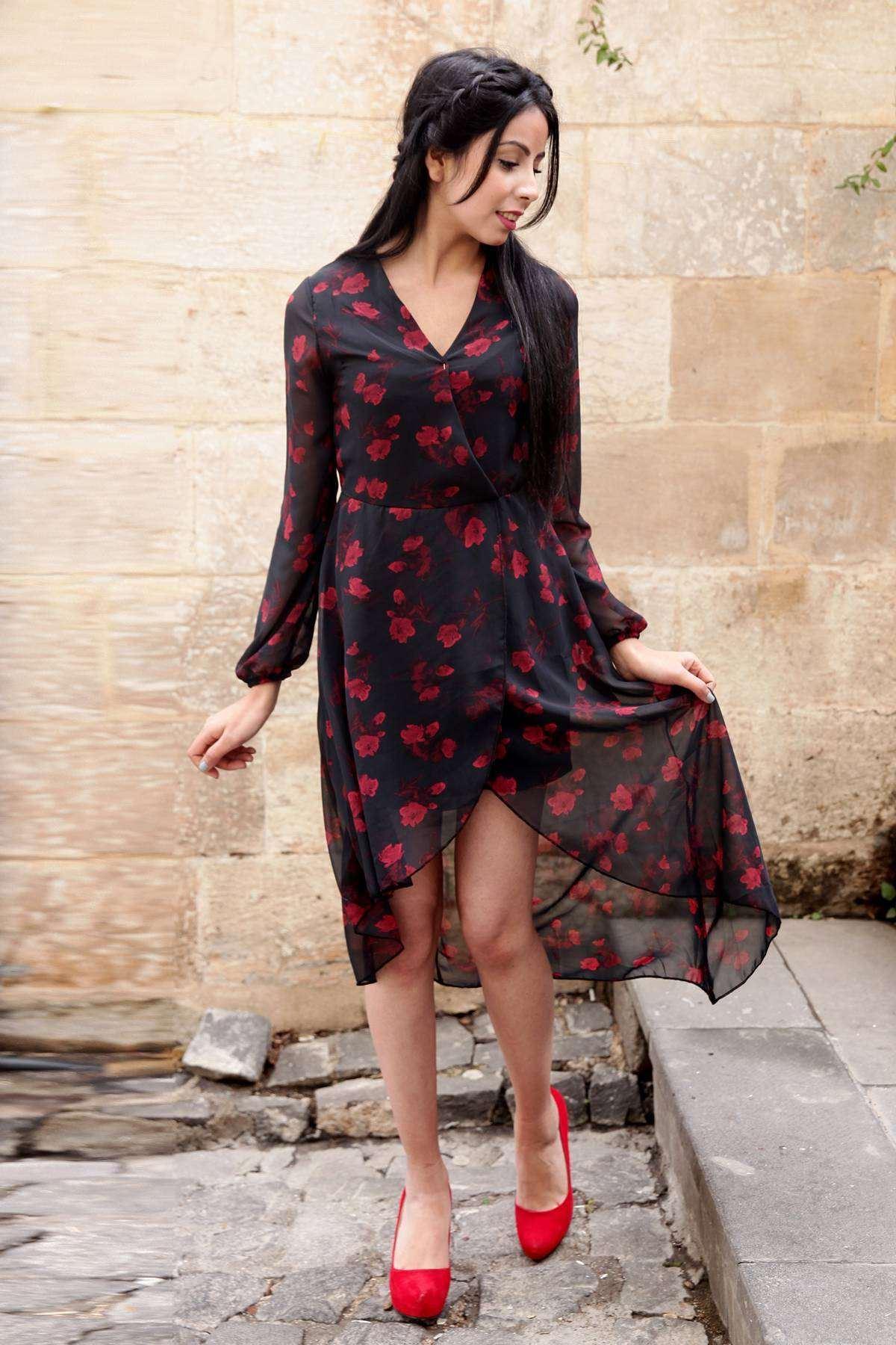 Gül Desenli Önü Çarpraz Detaylı Tül Elbise Siyah