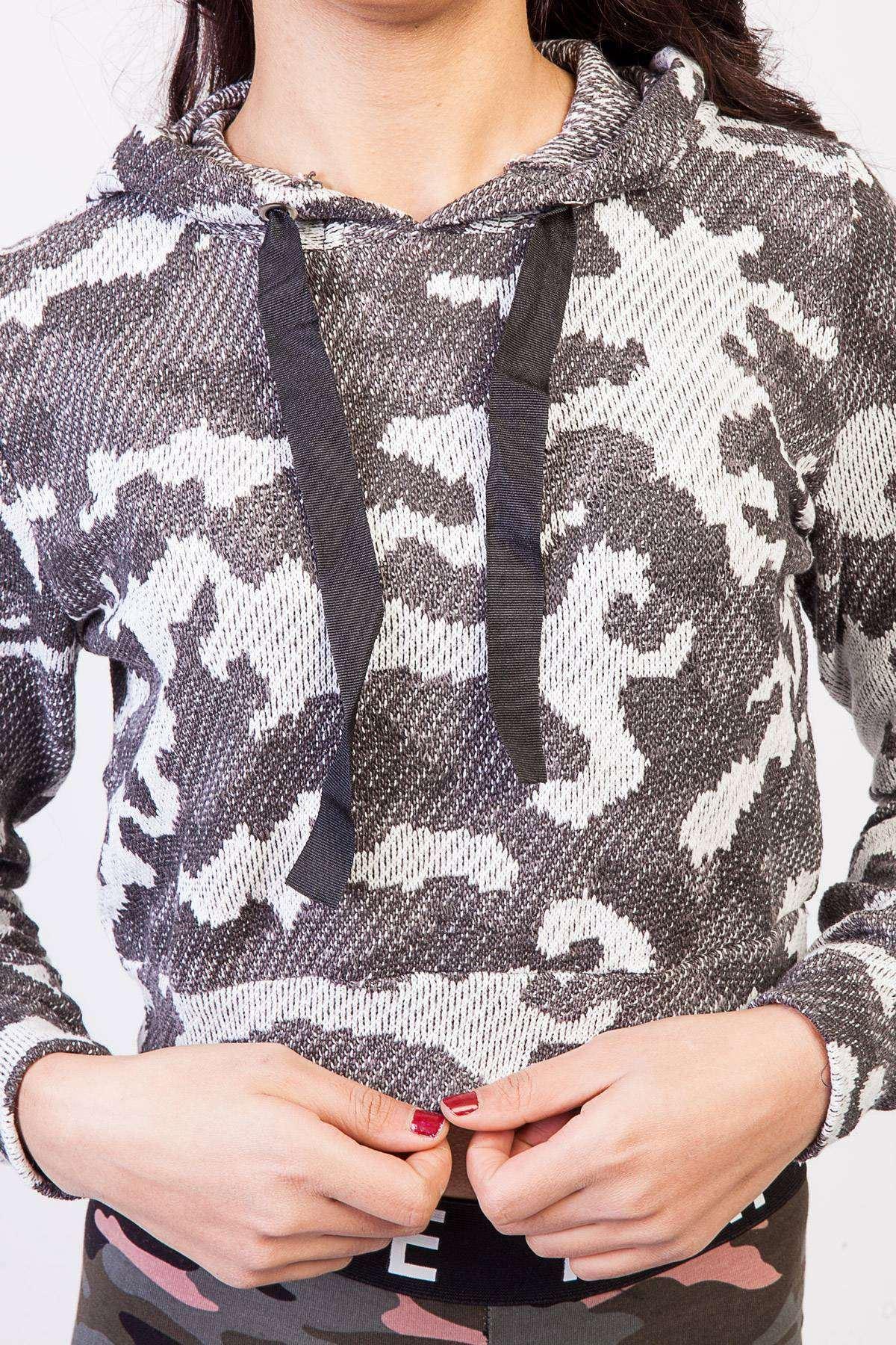 Kapşonlu Desenli Ekose Kısa Sweatshirt Siyah-Beyaz