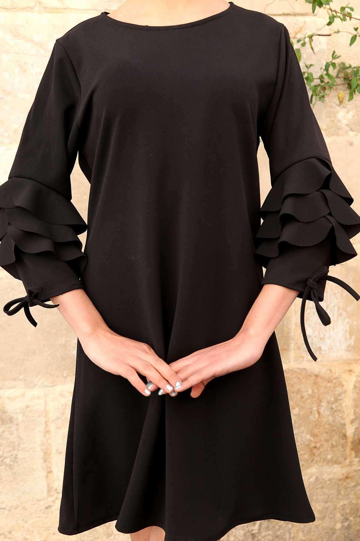 Kolu Kat Volanlı Fiyonk Detaylı Tunik Siyah