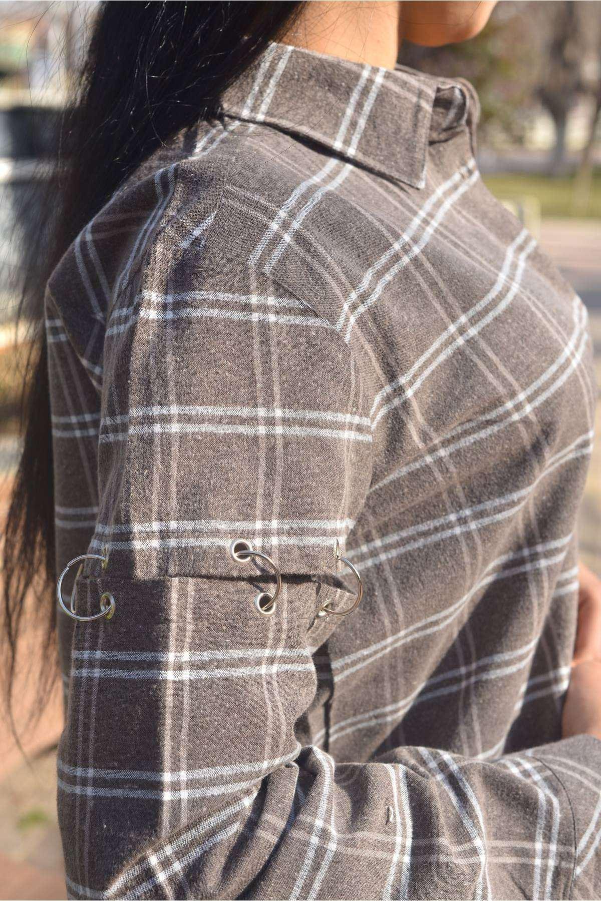 Kolları Metal Halka Detaylı Çizgili Kareli Uzun Gömlek Kahve