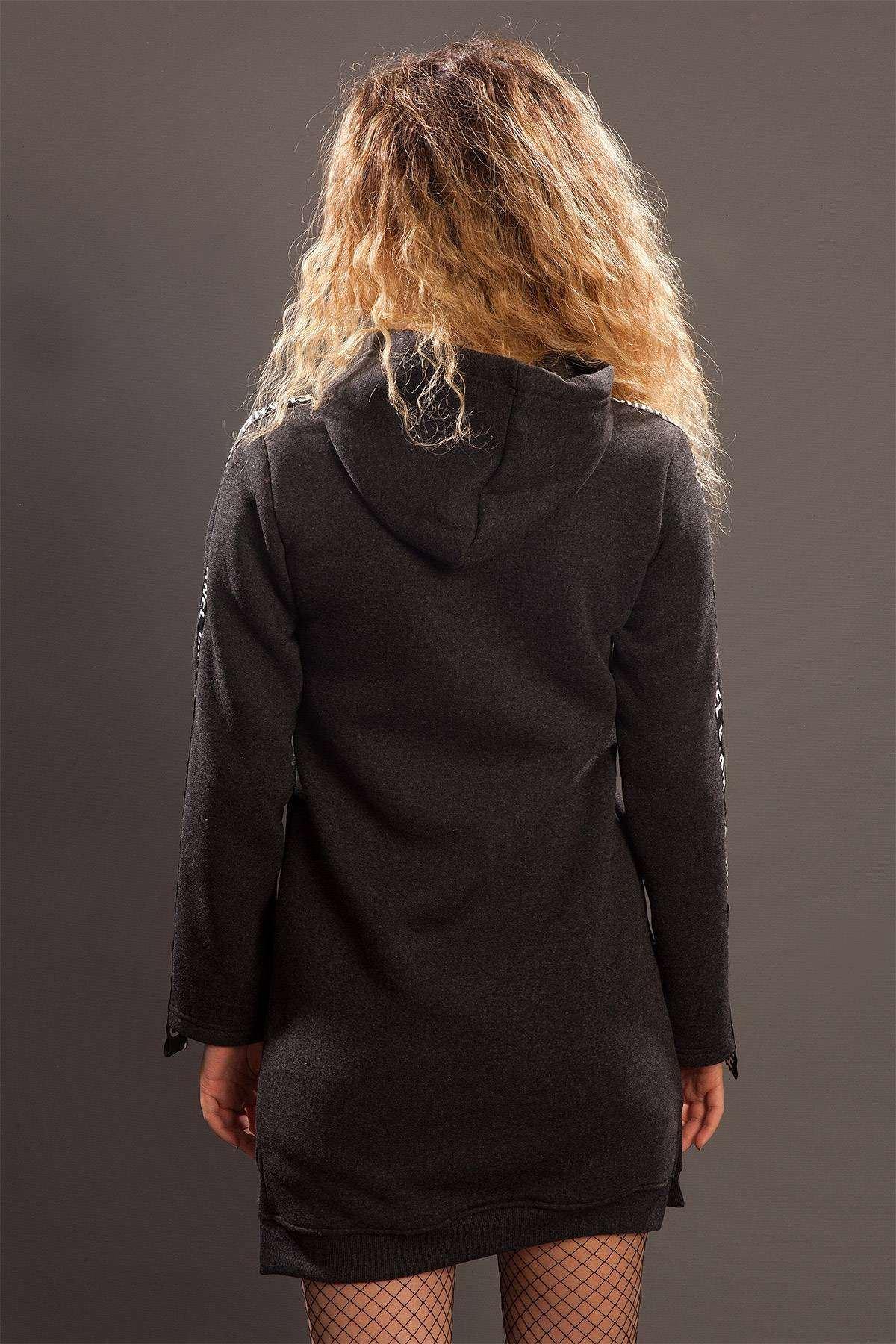Kolları Yazı Baskı Detaylı Kapşonlu Sweatshirt Antrasit