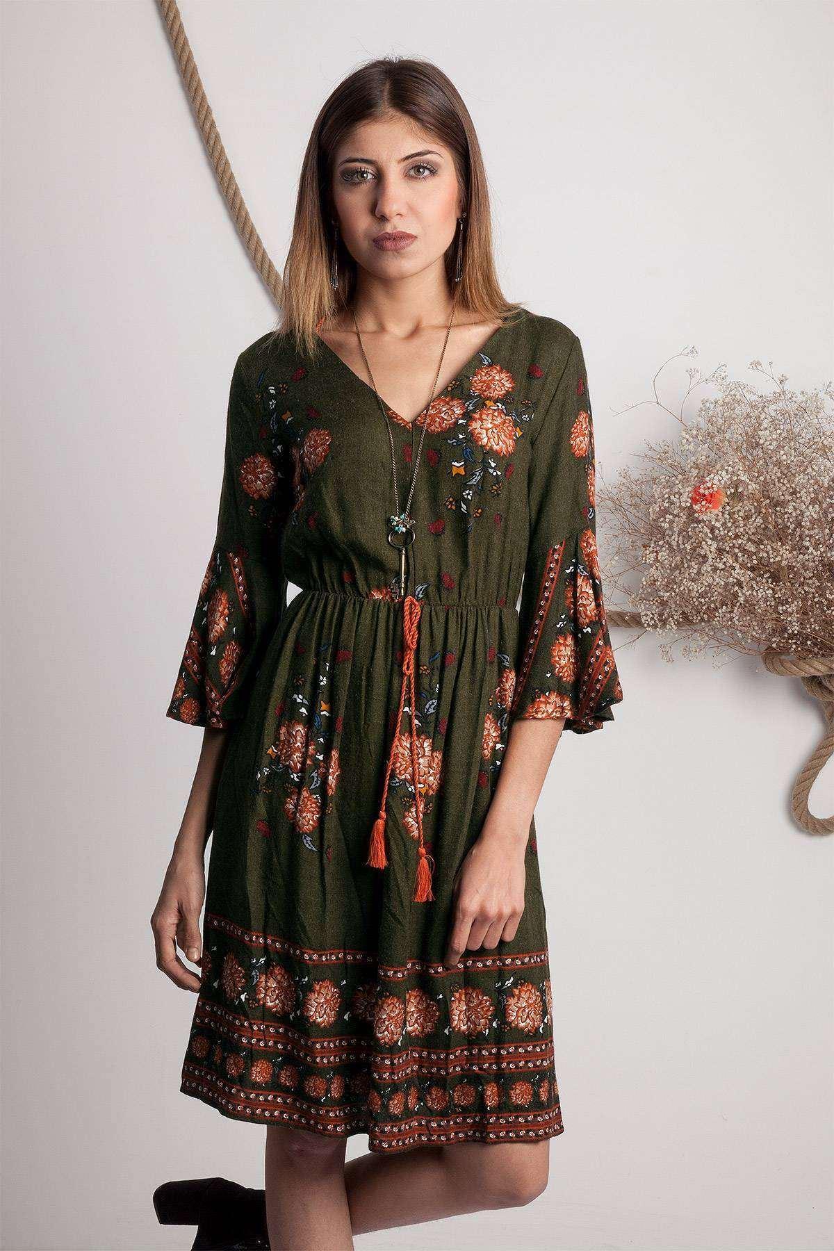 Kolları Volanlı Çiçek Desen Detaylı Elbise Haki