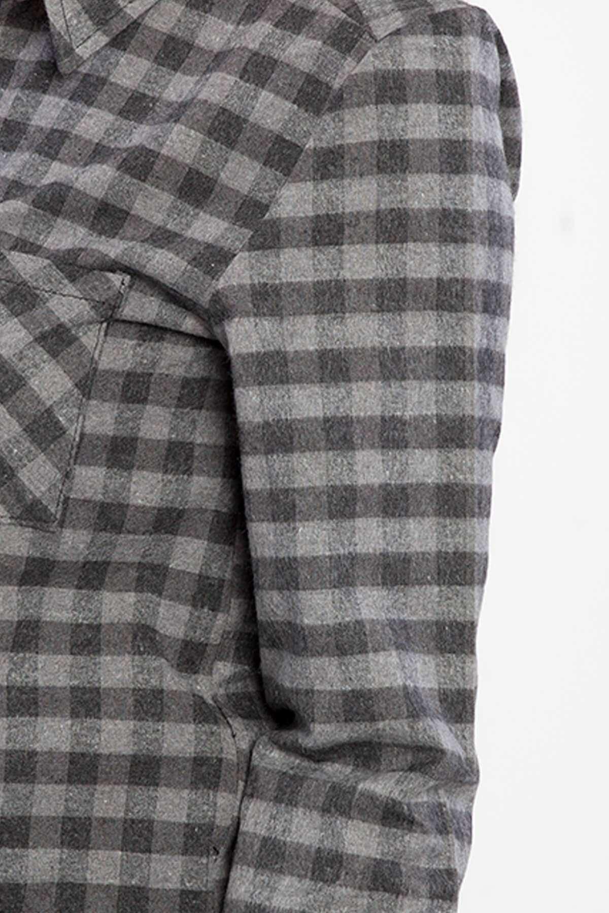 Küçük Kareli Cep Detaylı Kısa Gömlek Füme