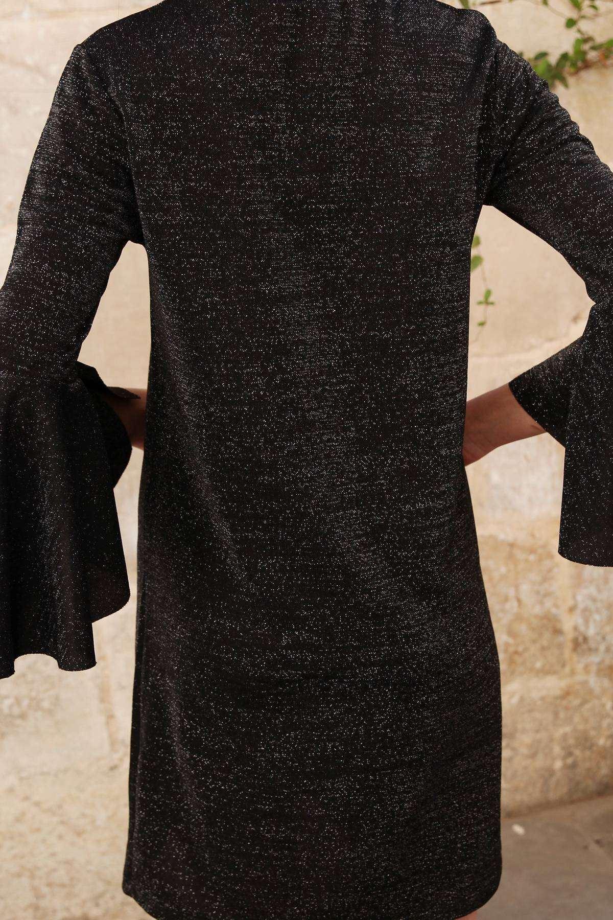 Kolu Volanlı Sim Detaylı Simit Yaka Tunik Siyah