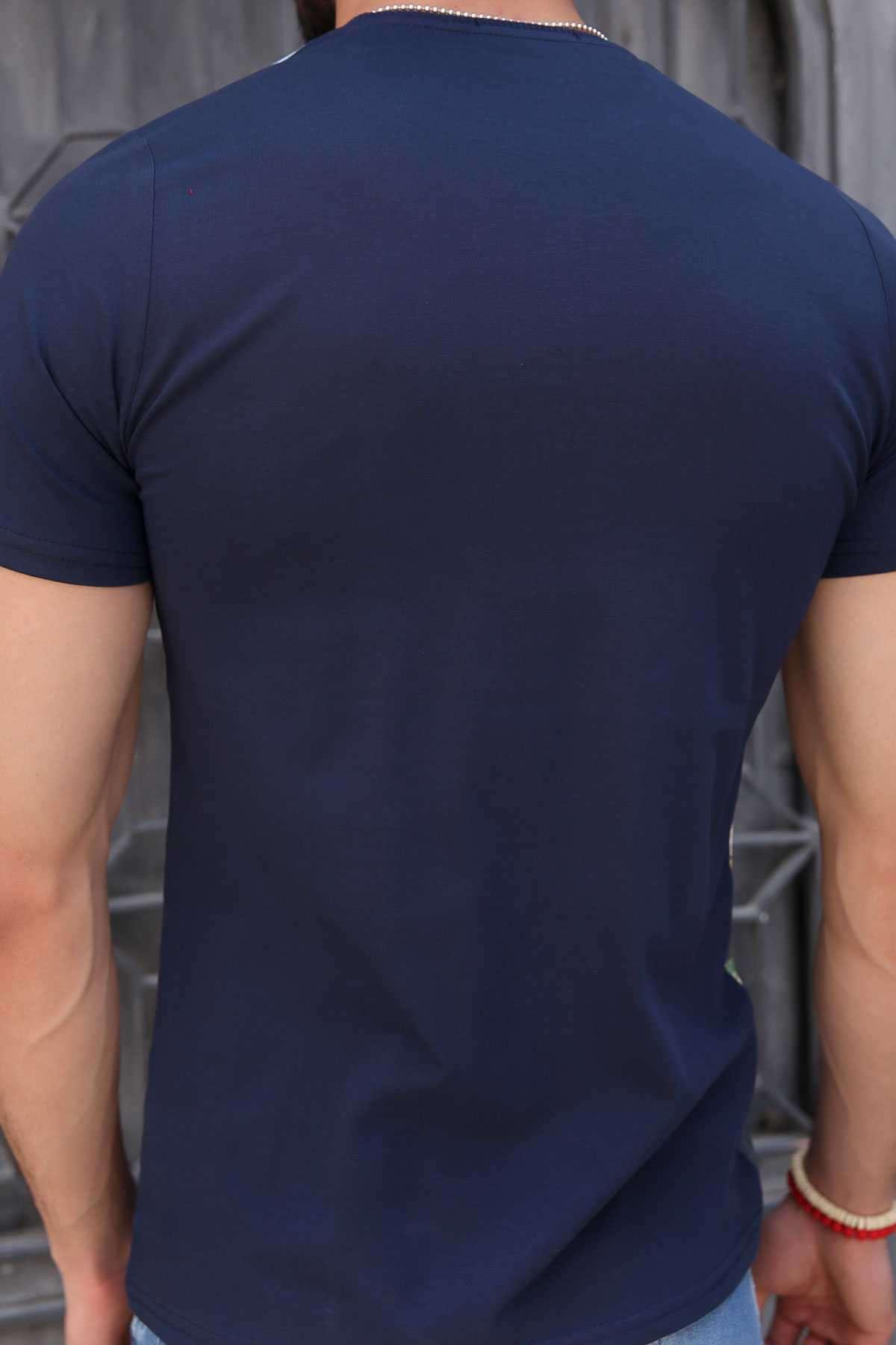 Leopar Baskı Sıfır Yaka Dijital Tişört Lacivert