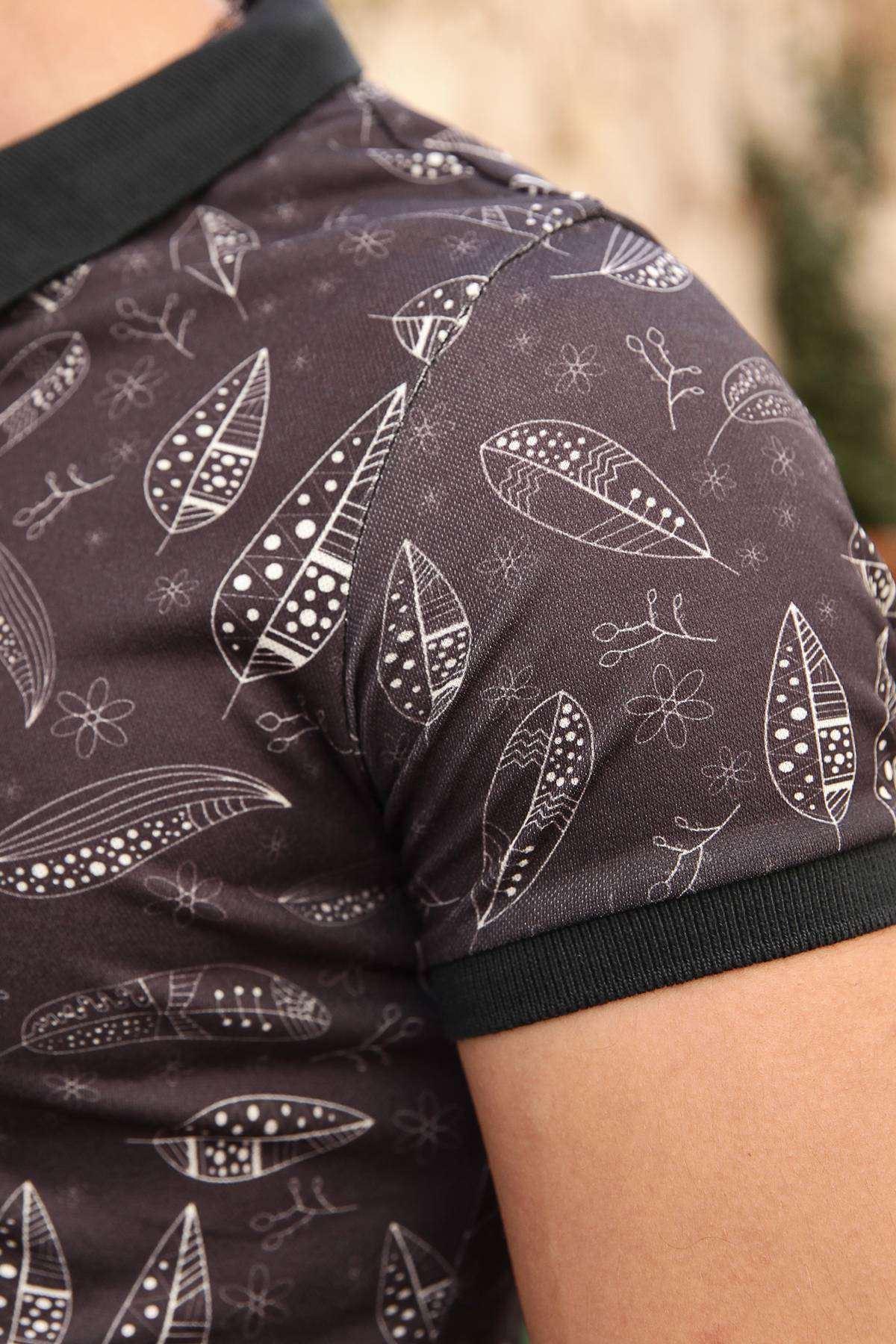 Noktalı Yaprak Desenli Dijital Polo Yaka Tişört Lacivert