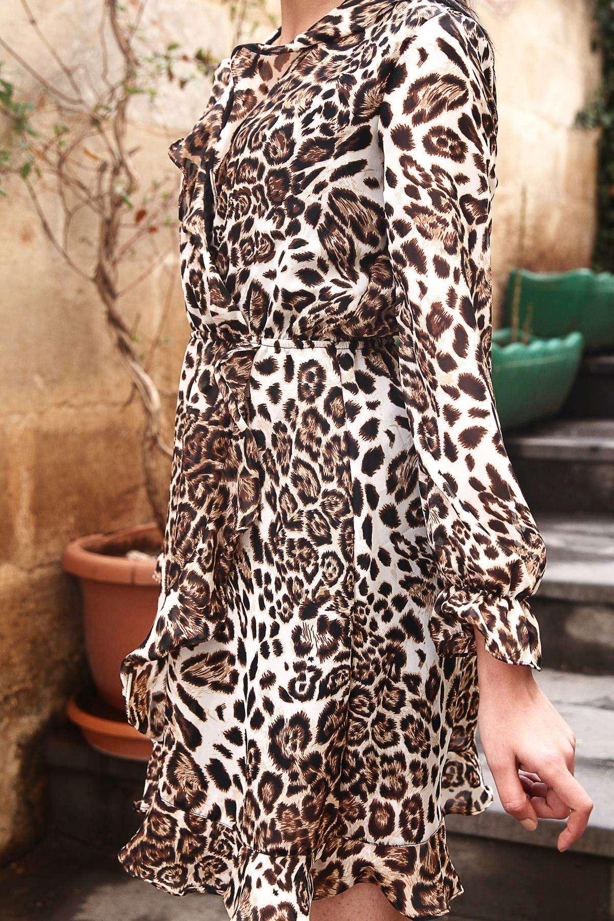 Leopar Desenli Yakası Altı Kol Ucu Fırfırlı Elbise Siyah-Kahve
