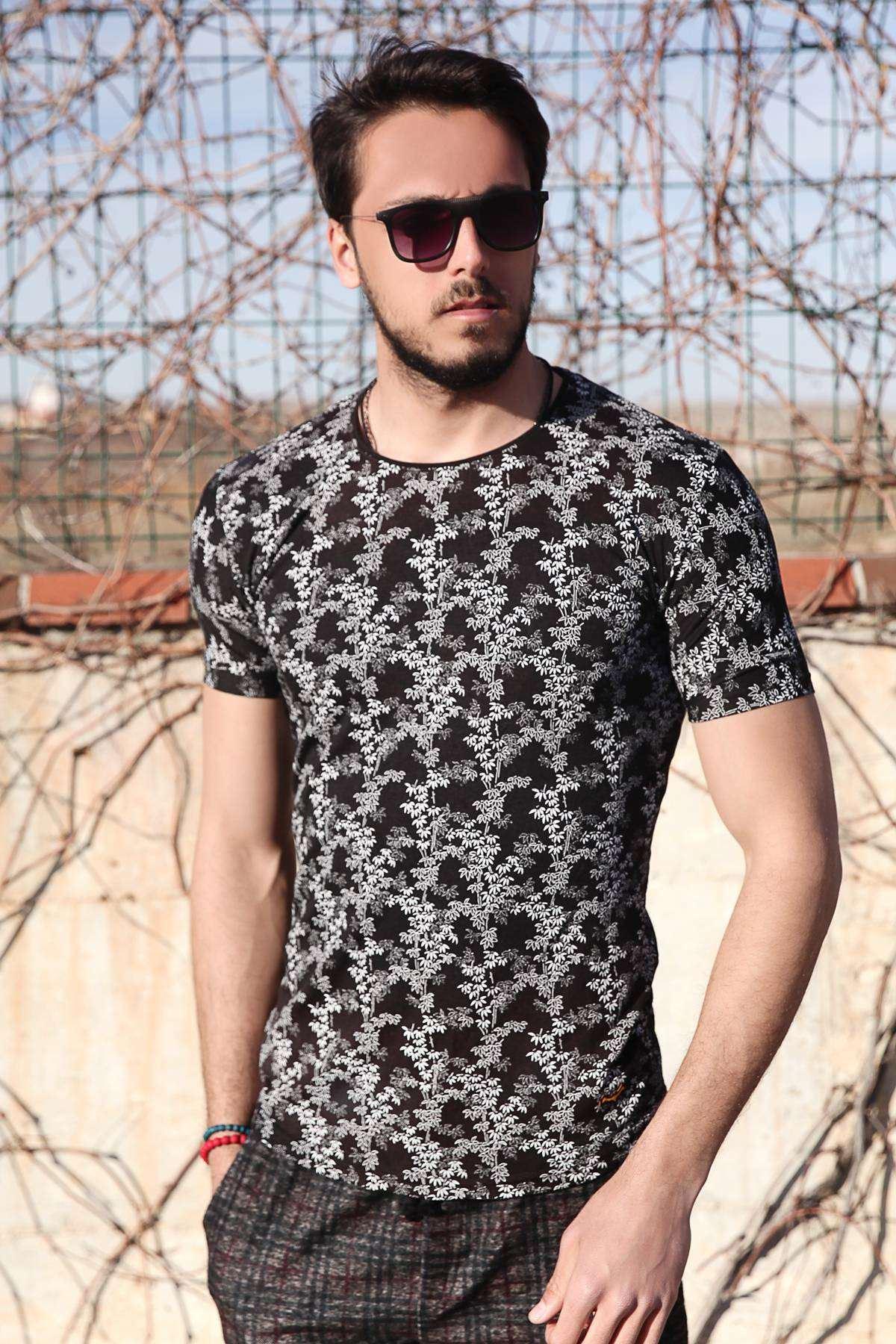 Minik Yaprak Desenli Slim Fit Tişört Siyah