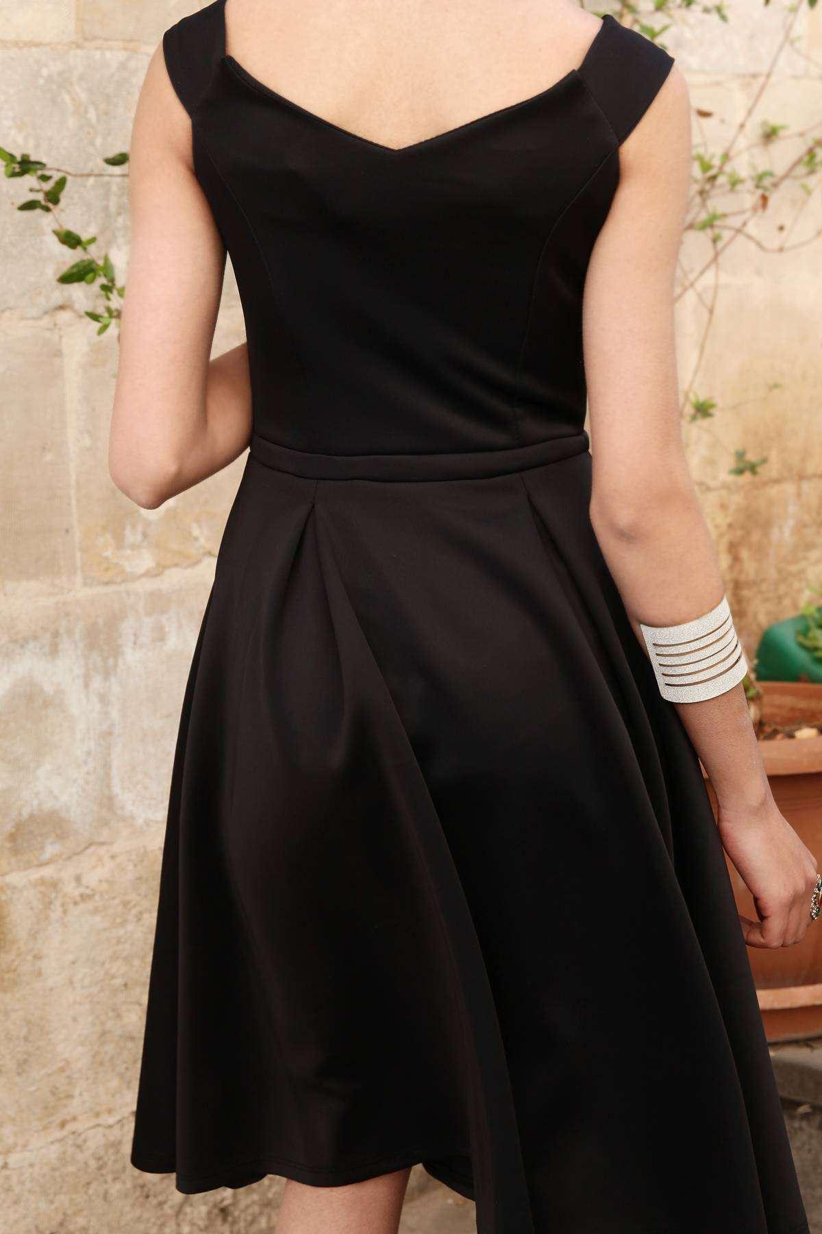 Omuz Askılı Bel Fiyonk Detaylı Altı Pliseli Midi Elbise Siyah
