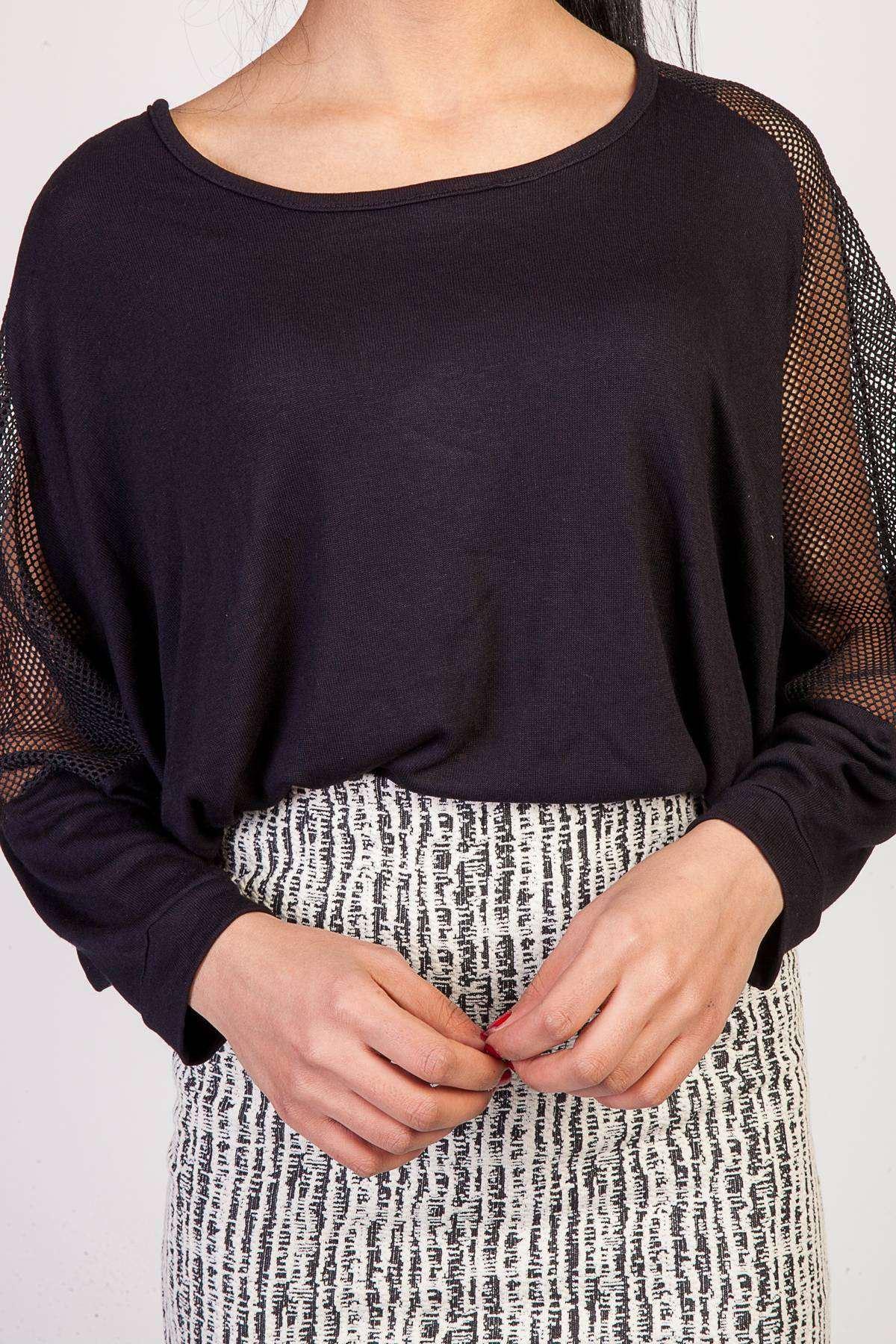 Omuz File Detaylı Yarasa Kesim Bluz Siyah