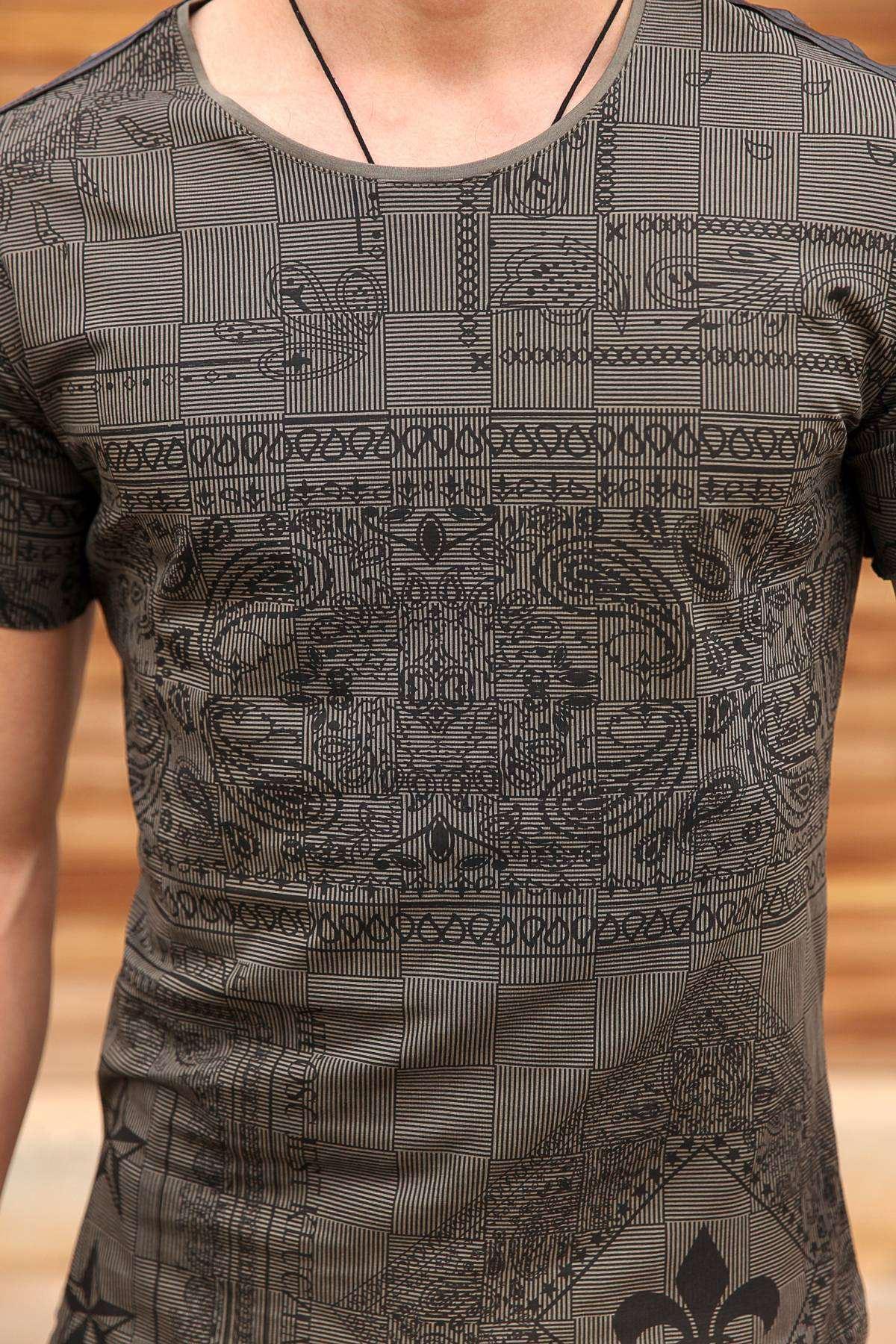 Omuz Deri Yıldız Şeritli Çizgili Desenli Tişört Haki