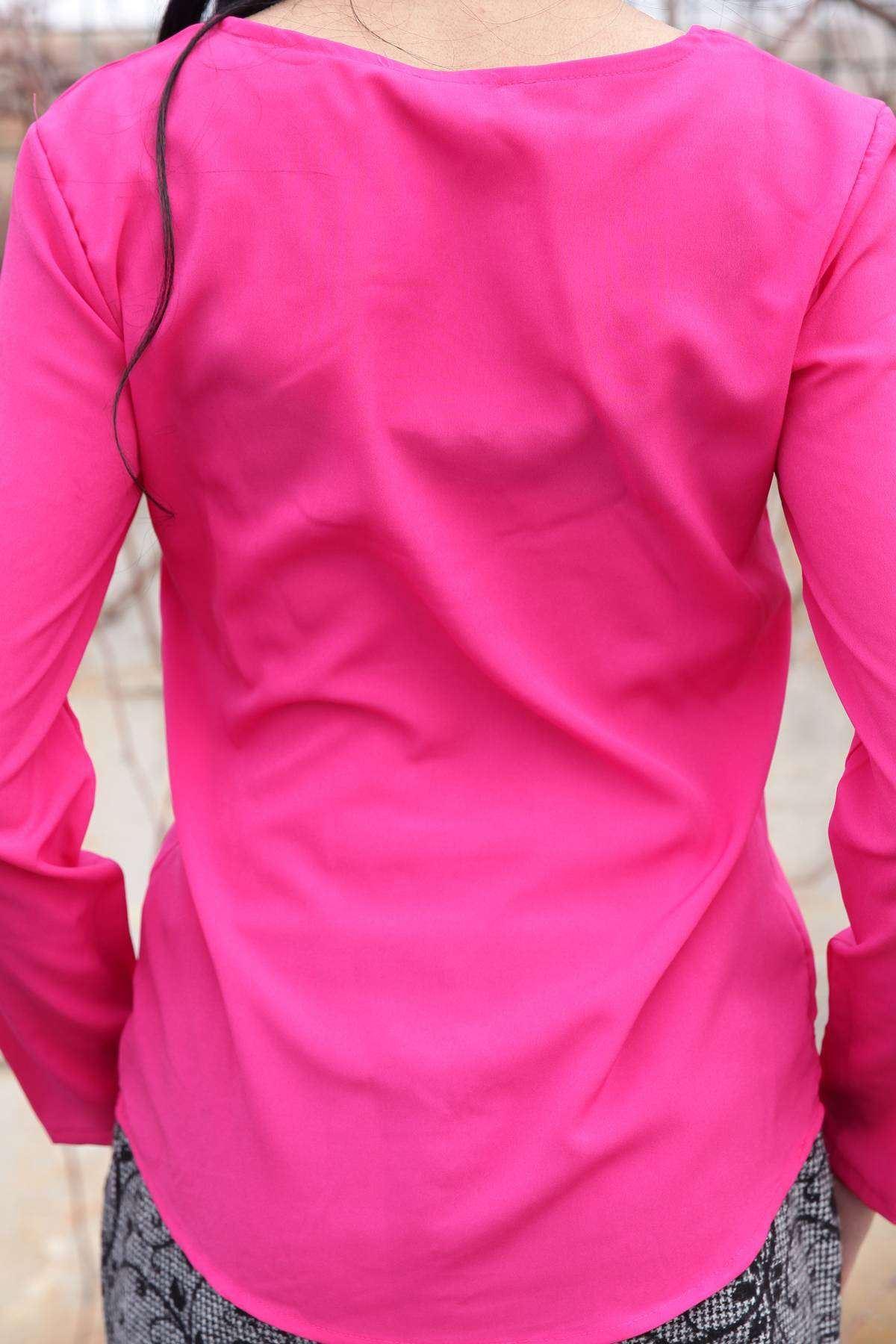 Önü Dantel Desen Detaylı Yaka Dekolteli Bluz Fujya
