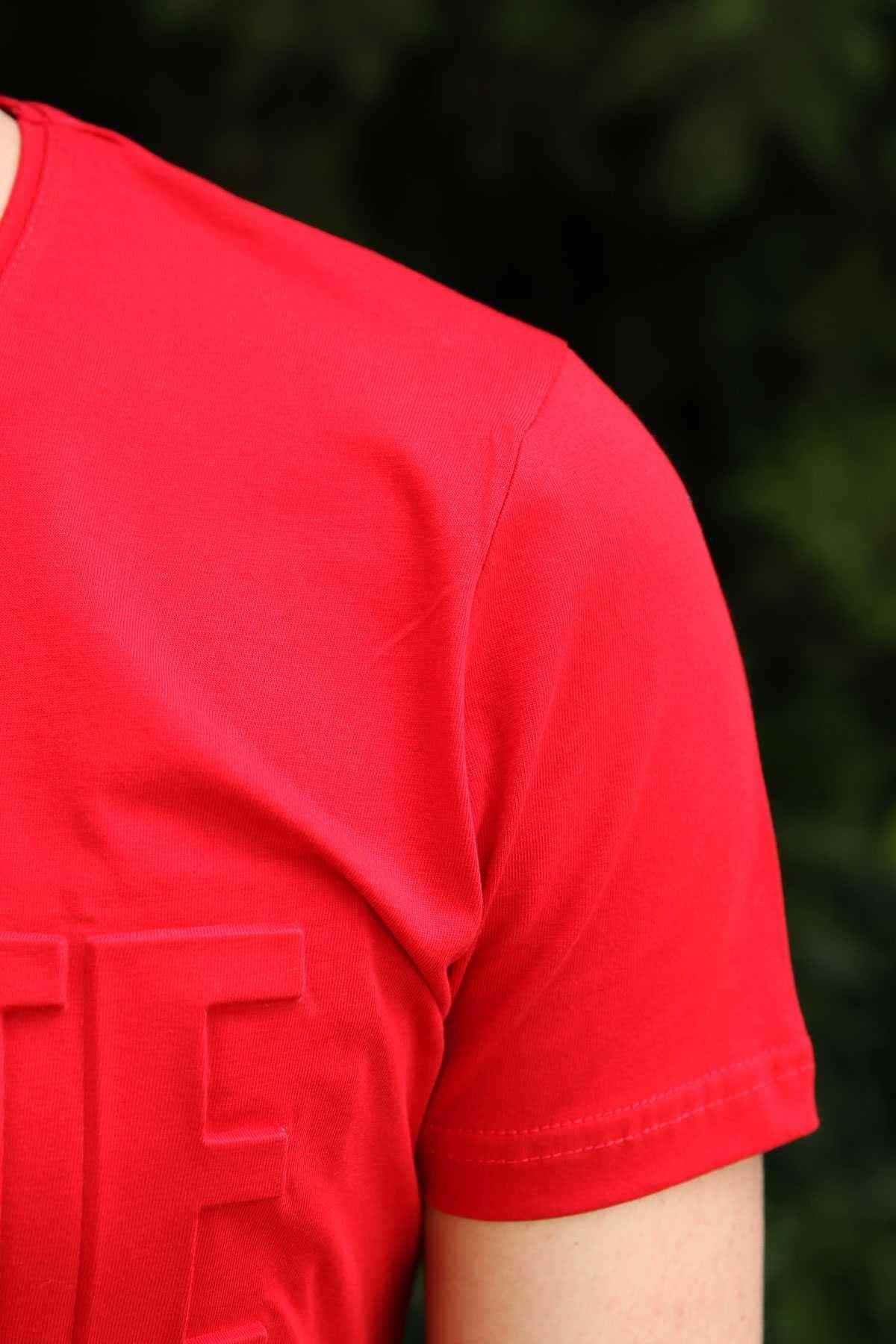 Önü Kabartma White Black Yazılı Slim Fit Tişört Kırmızı