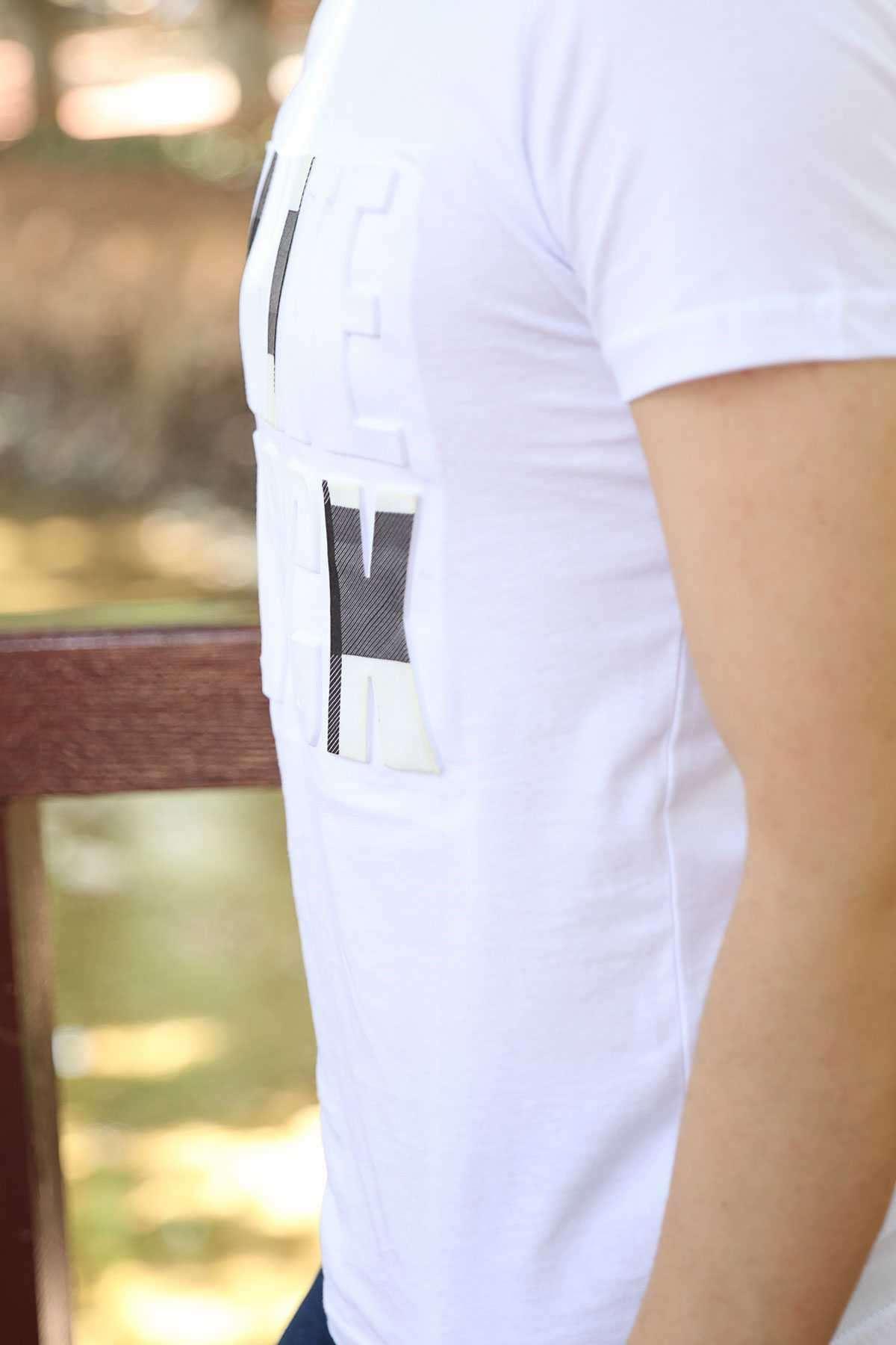 Önü Kabartma White Black Yazılı Slim Fit Tişört Beyaz