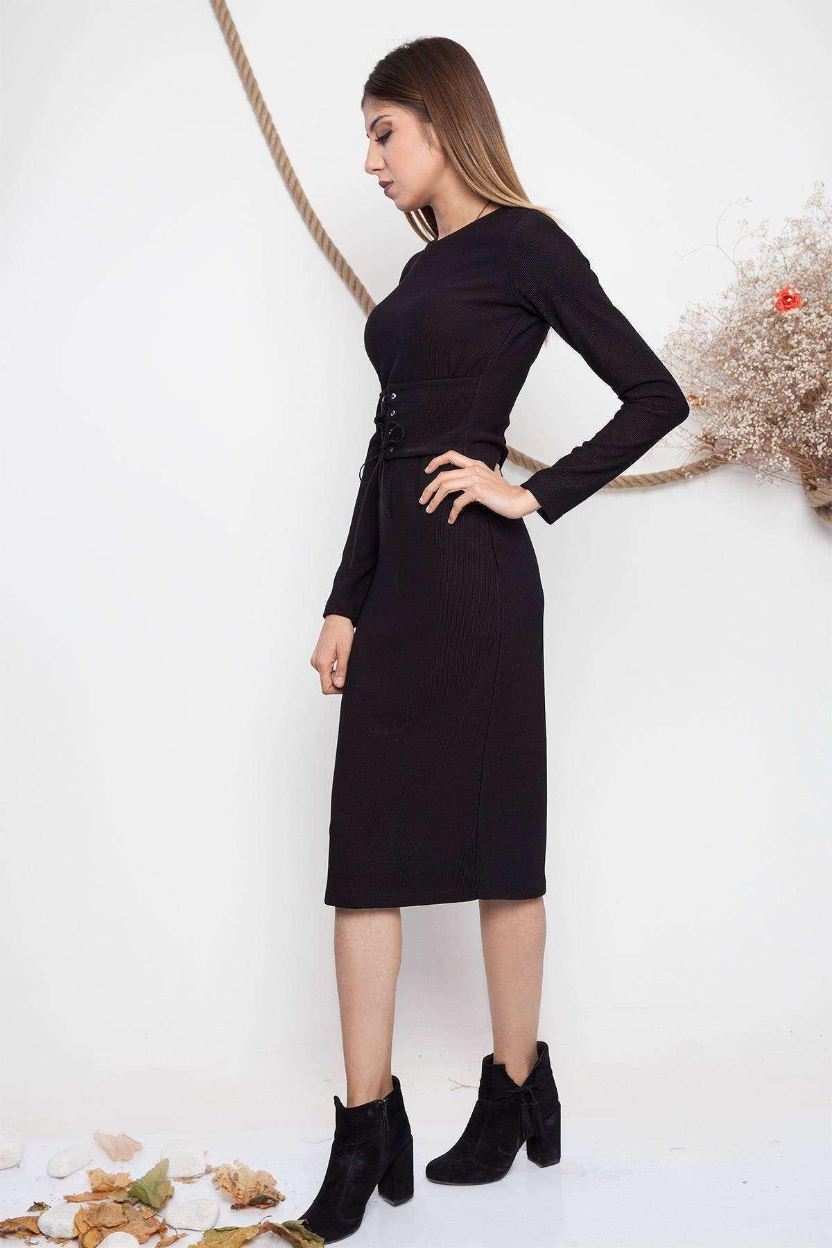 Önü Kemer Detaylı Sıfır Yaka Elbise Siyah