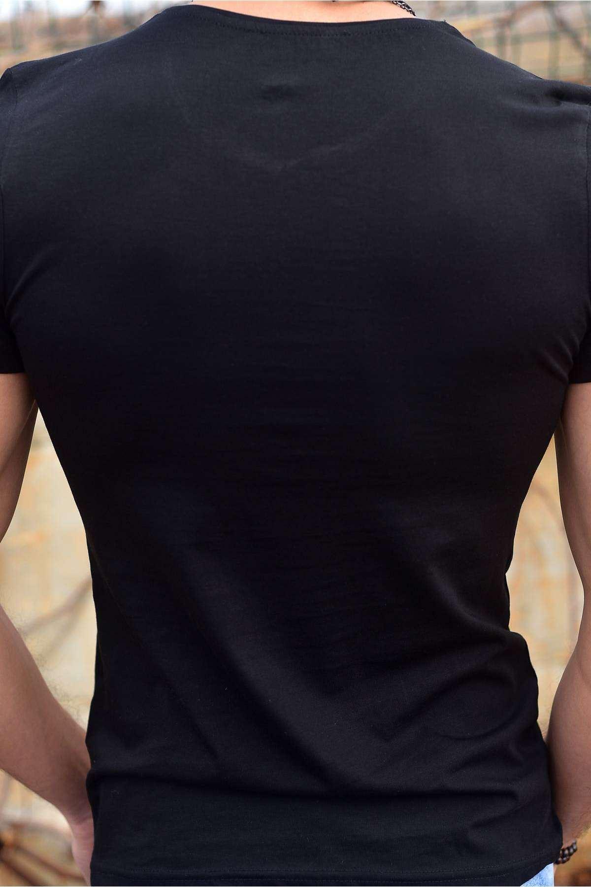 Önü Simli Kuru Kafa Baskılı Sıfır Yaka Tişört Siyah
