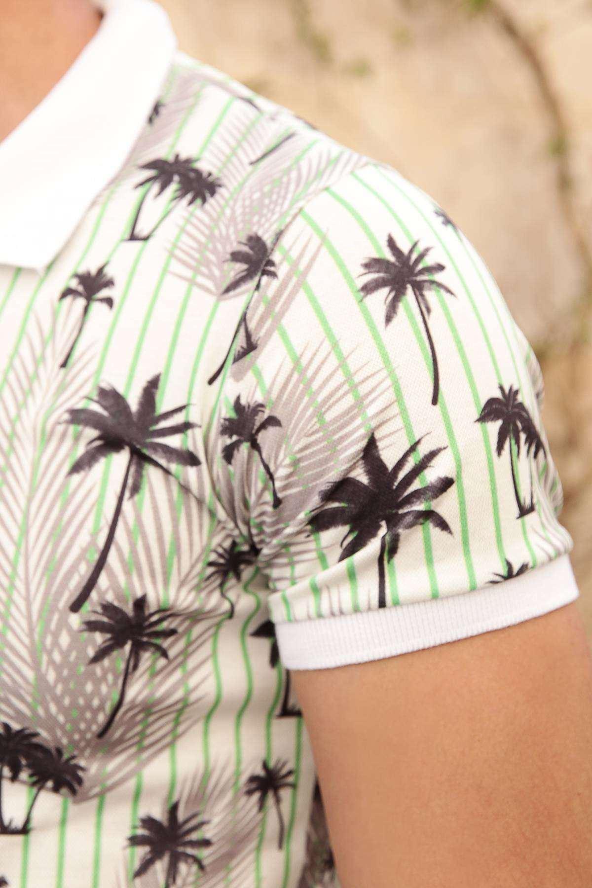 Palmiye Baskılı Boyuna Çubuklu Dijital Polo Yaka Tişört Ekru