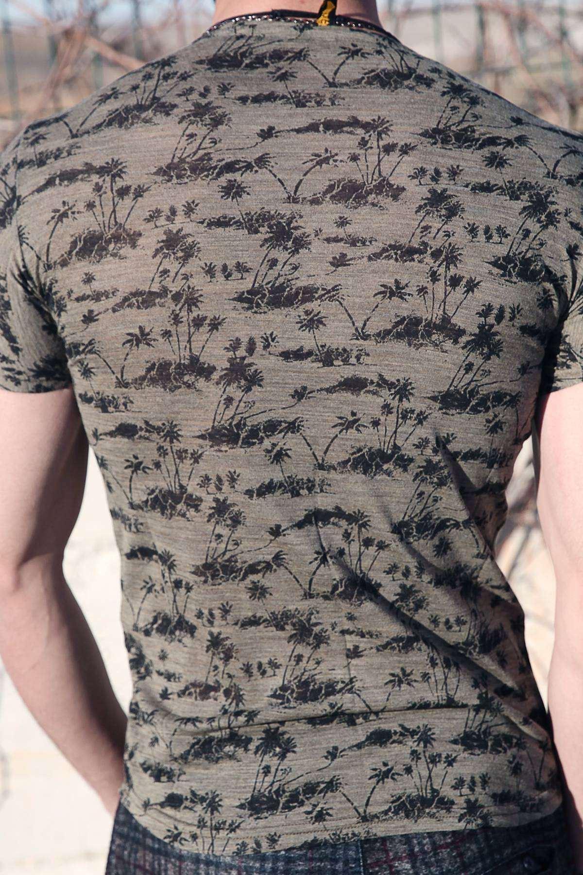 Palmiye Baskılı Simit Yaka Slim Fit Tişört Haki