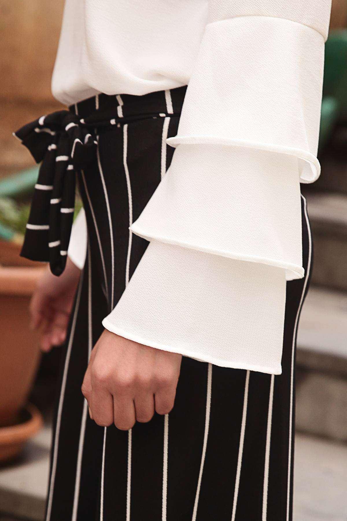 Paçaları Desenli Boyuna Çizgili Beli Bağlamalı Pantolon Siyah