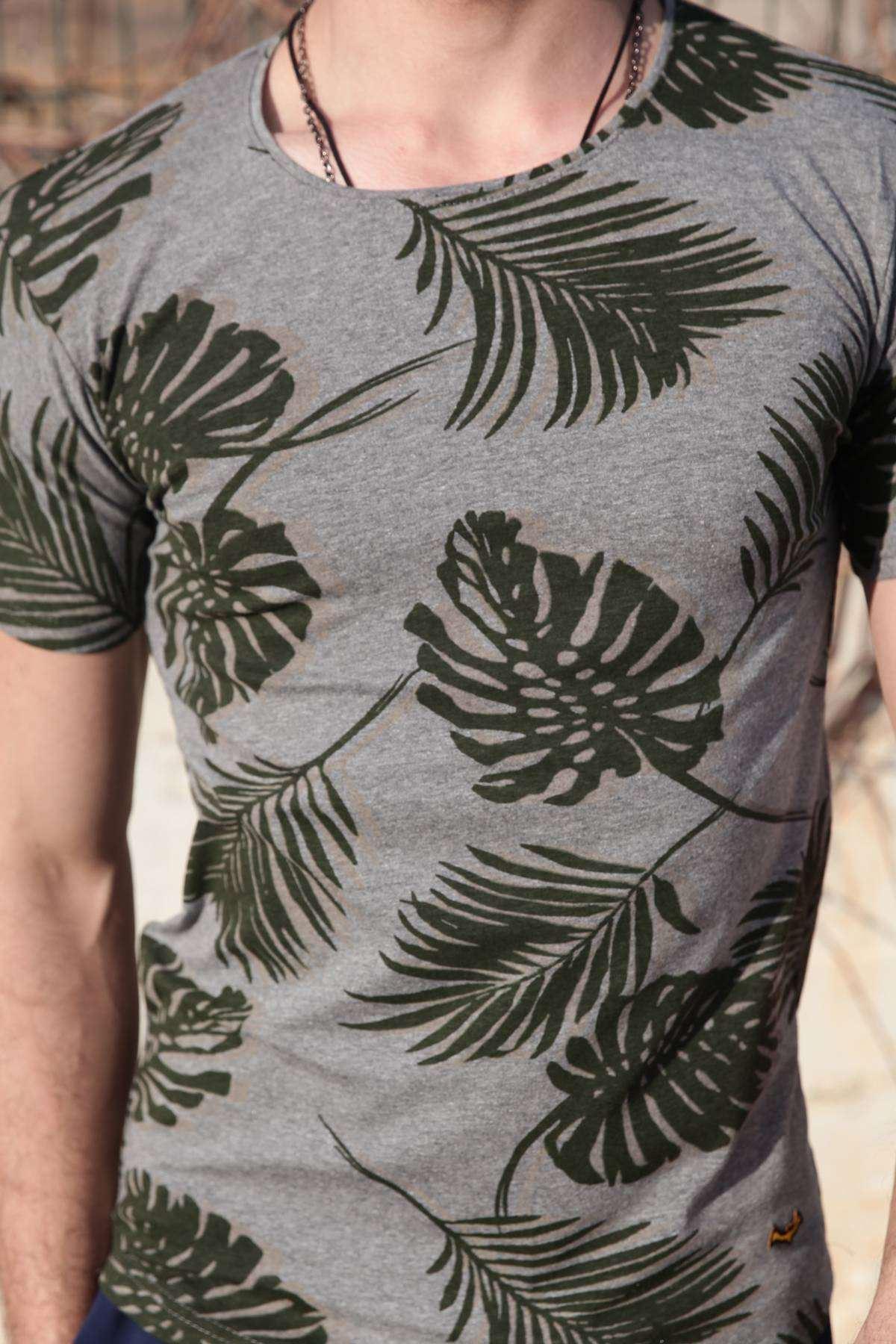 Palmiye Yaprak Baskılı Simit Yaka Slim Fit Tişört Füme