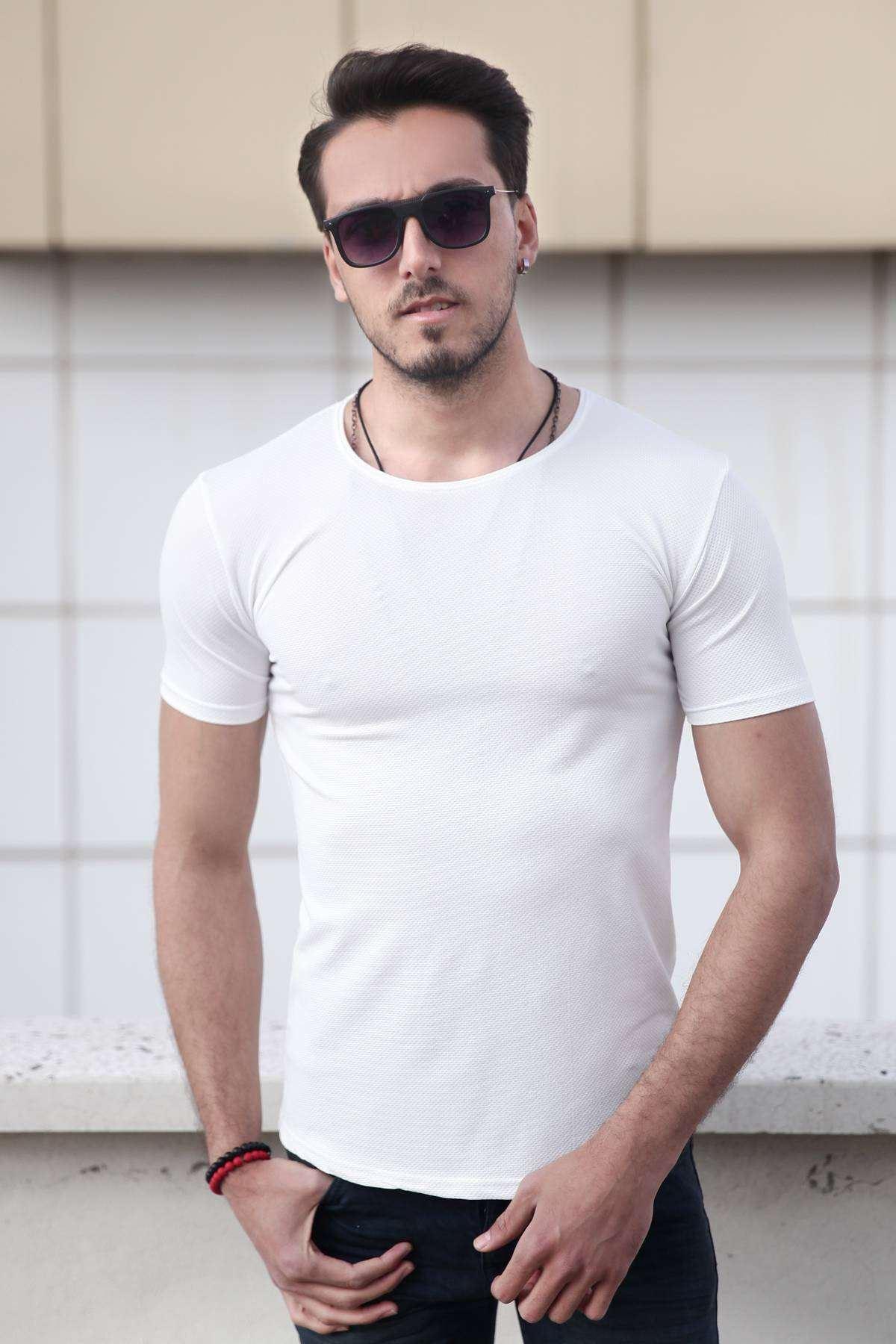 Petek Desenli Sıfır Yaka Slim Fit Tişört Beyaz