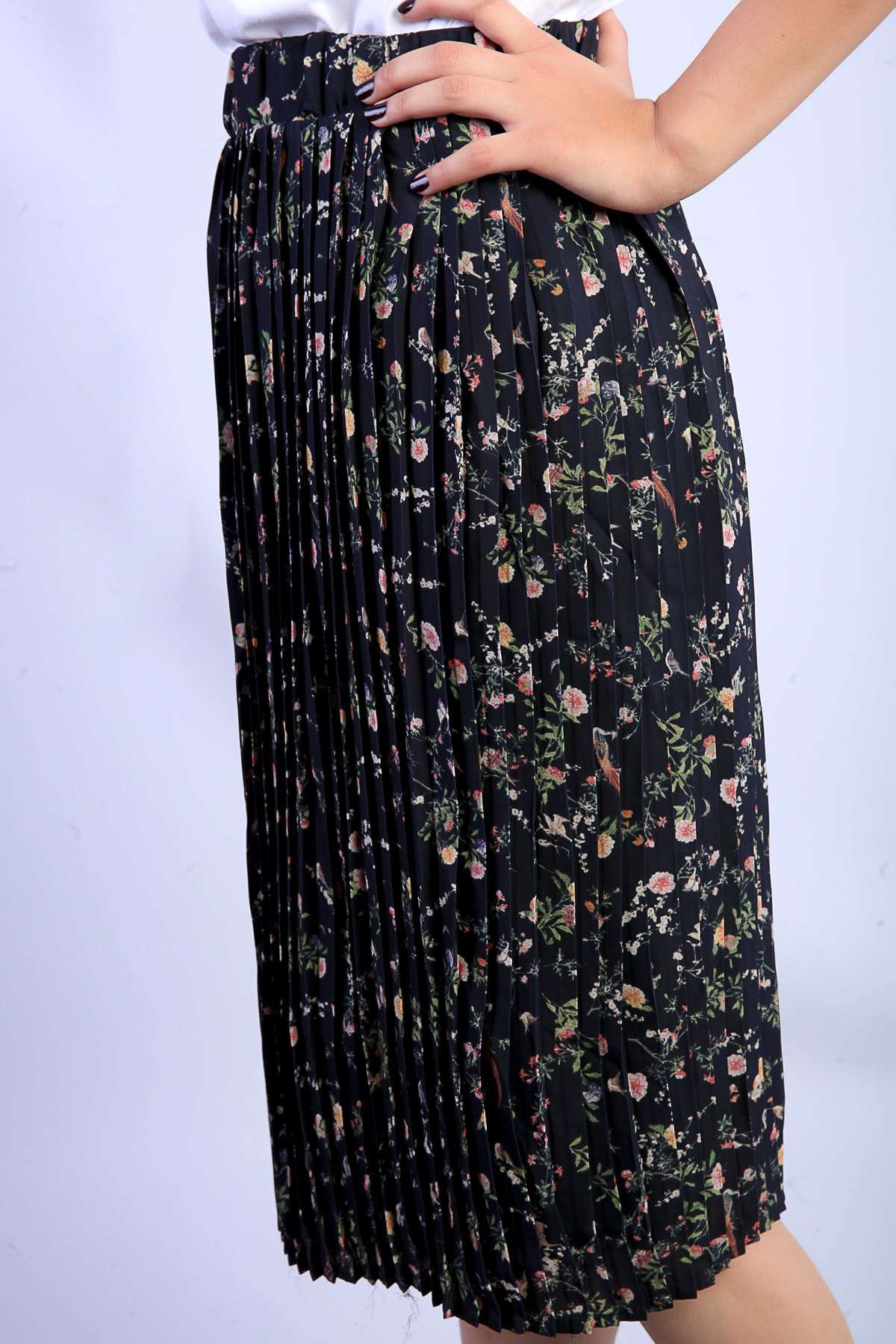 Pliseli Çiçek Desenli Etek Siyah
