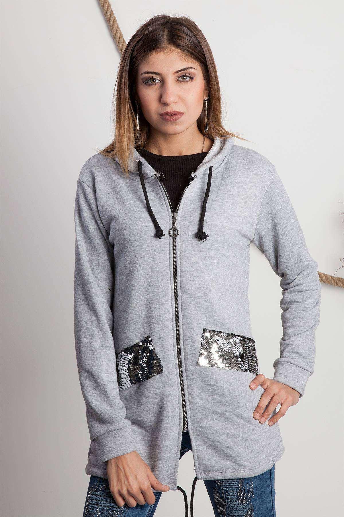 Pul Detaylı Uzun Kapşonlu Sweatshirt Gri
