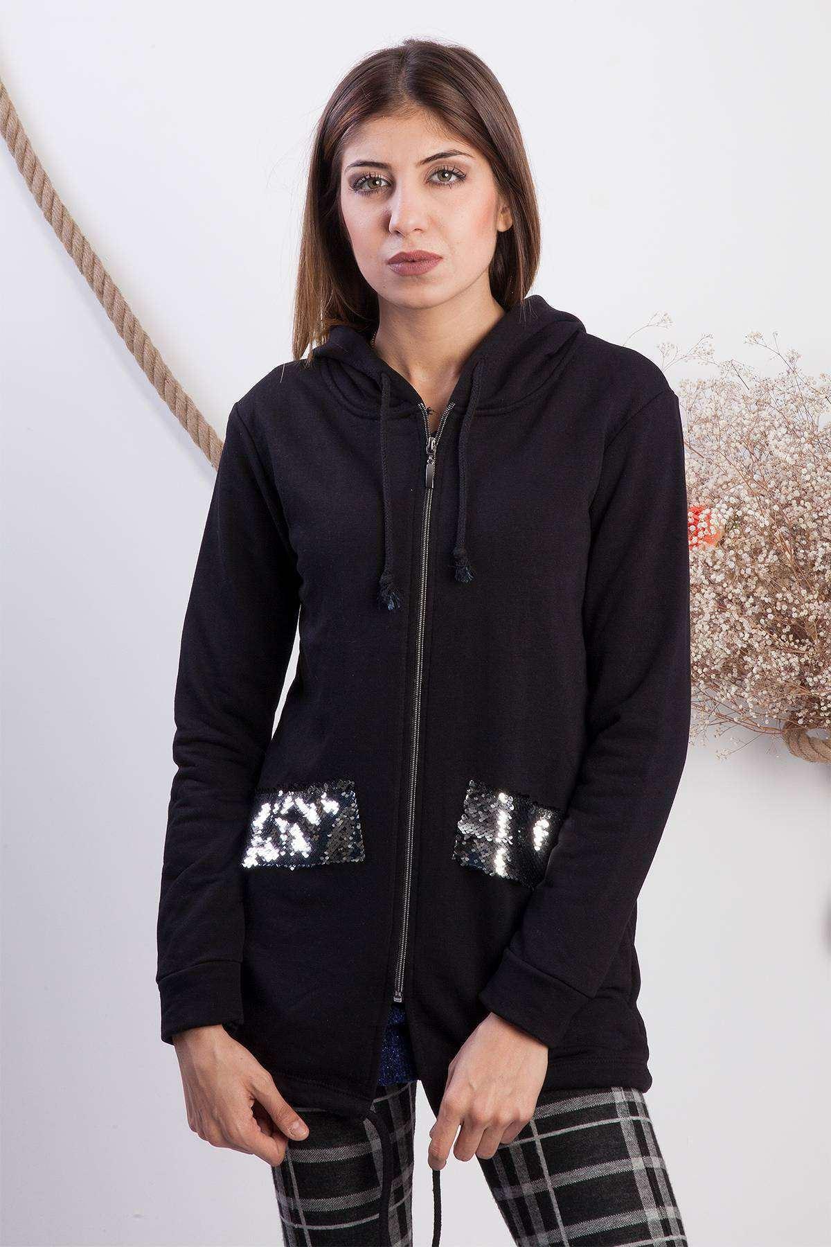 Pul Detaylı Uzun Kapşonlu Sweatshirt Siyah
