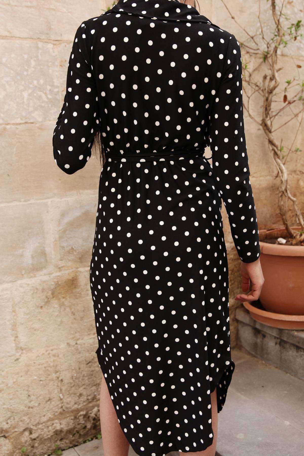Puantiyeli Önü Yırtmaçlı Cep Detaylı Önü Çarpraz Elbise Siyah
