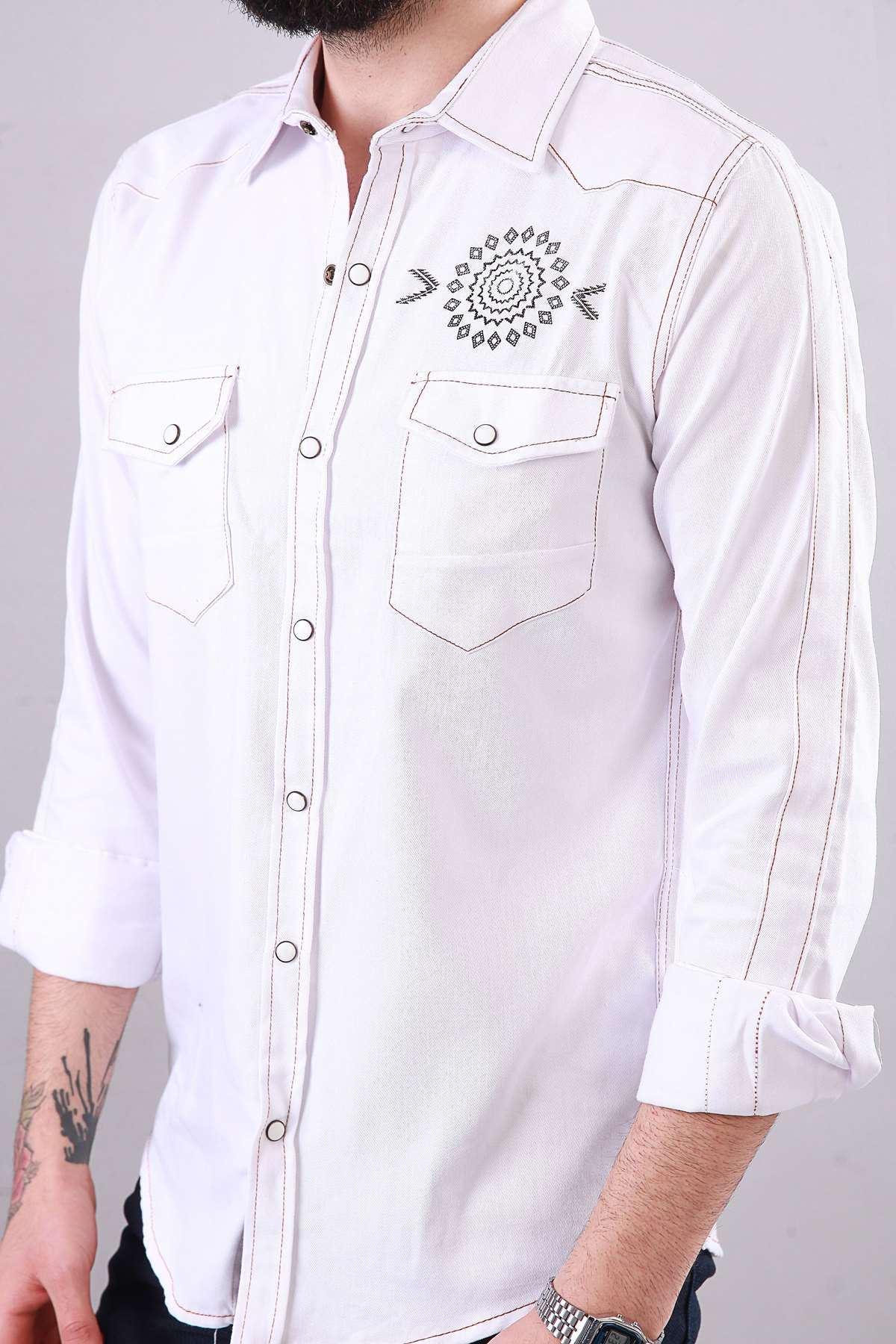 Sırt Yazılı Çıt Çıt Düğmeli Göğüs Baskılı Kot Gömlek Beyaz