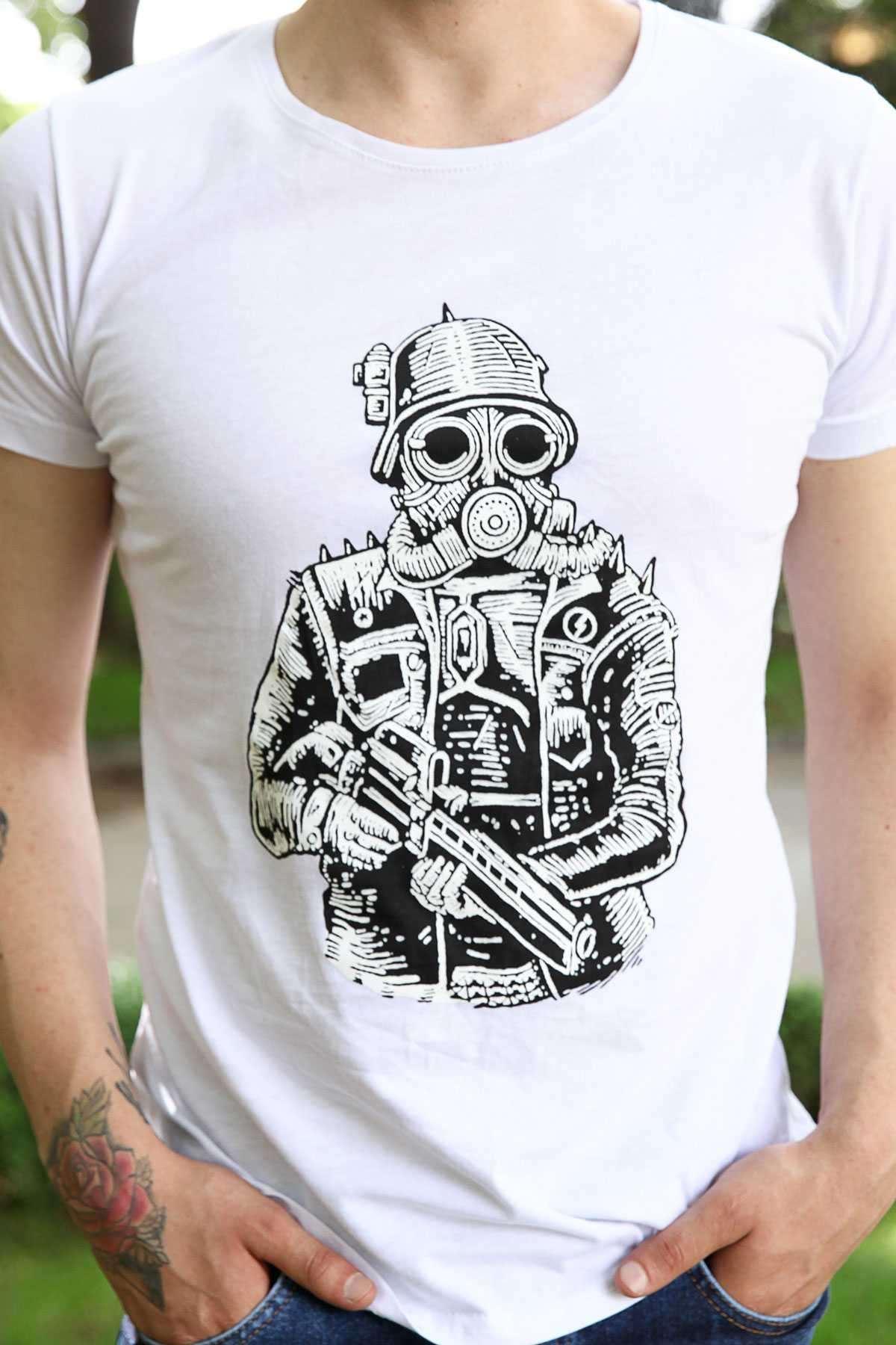 Silahlı Maskeli Adam Baskılı Slim Fit Tişört Beyaz