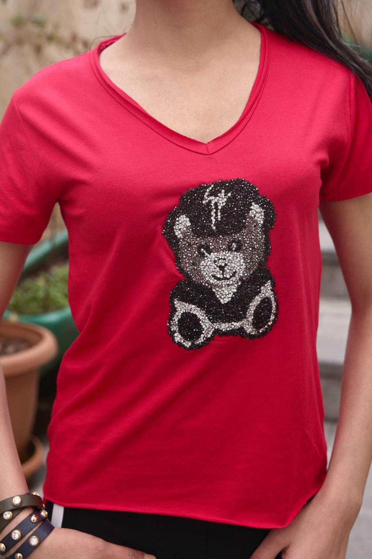 Taşlı Panda Desen Detaylı Pis V Yaka Tişört Kırmızı