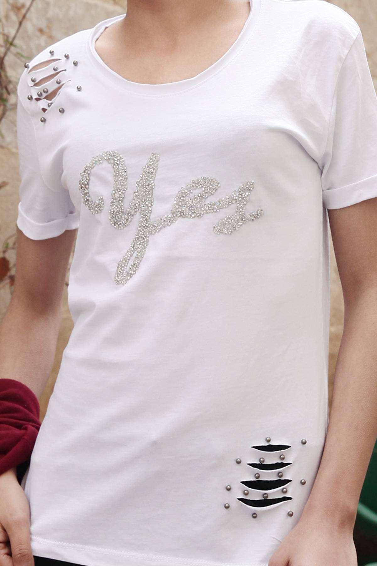 Taşlı Yes Yazı Detaylı Omuz Yırtık Boncuklu Tişört Beyaz