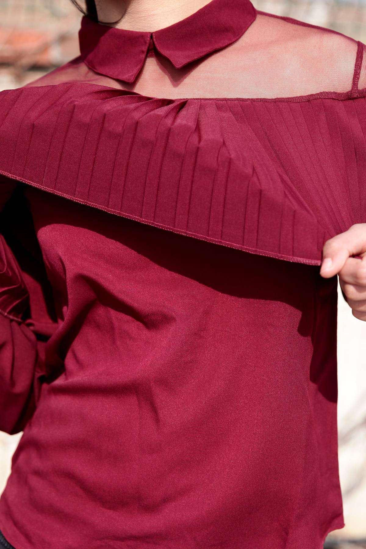Üst Pile Katmanlı Omuzlar Tül Detaylı Bebe Yaka Bluz Bordo