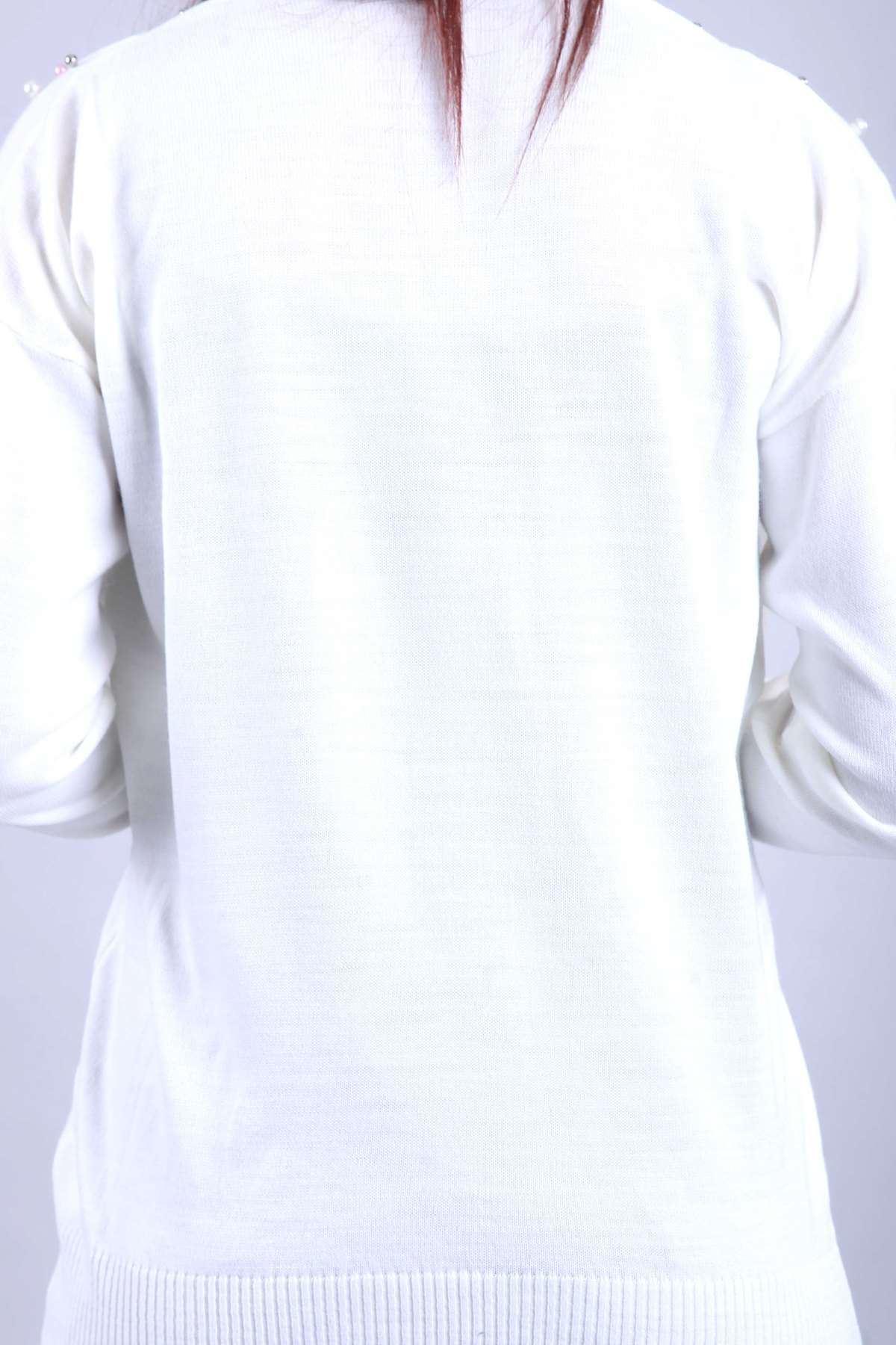 V Yaka Omuz İnci Detaylı Triko Bluz Krem