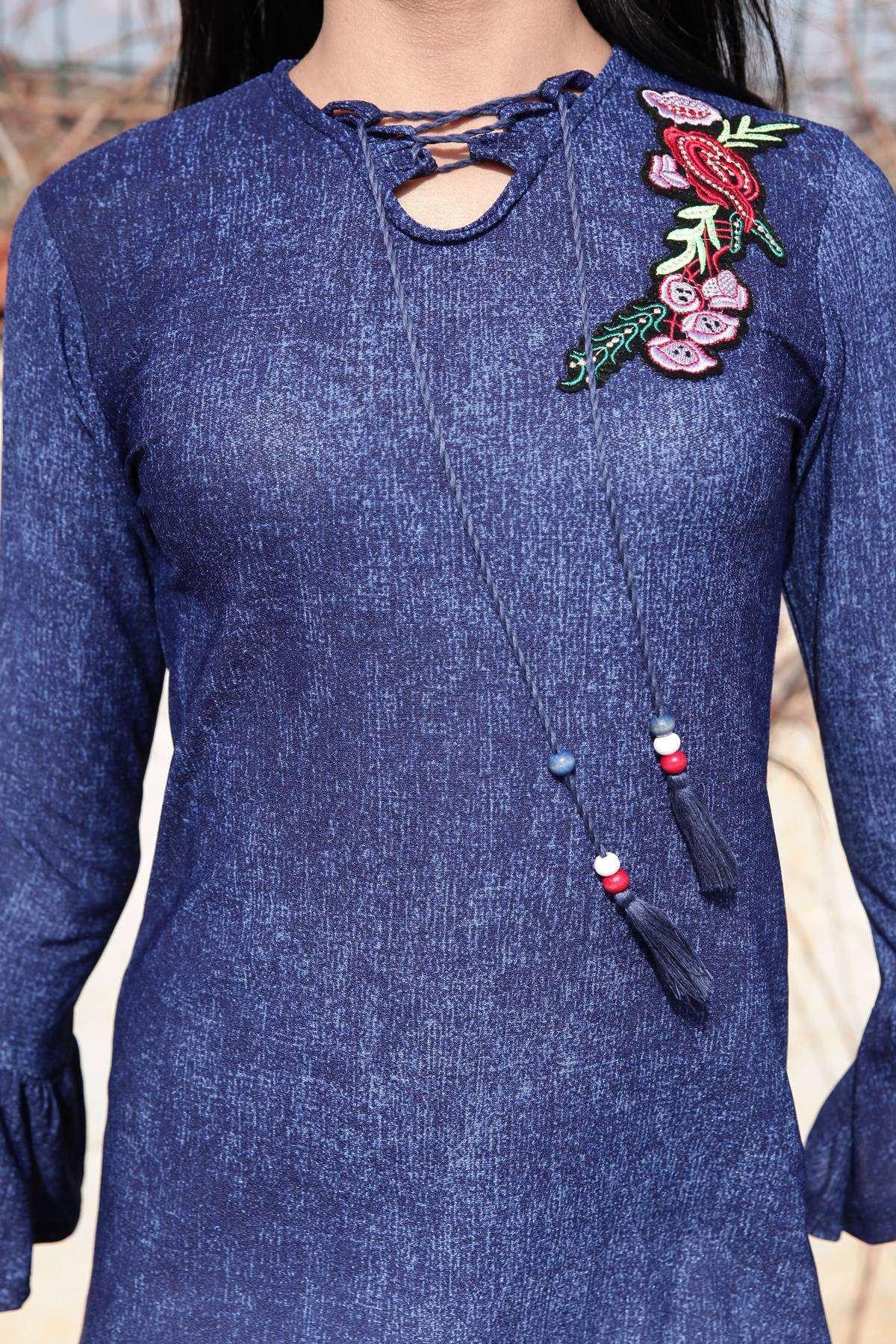 Yaka Çiçek Desen Nakış Detaylı İspanyol Kol Tunik Lacivert
