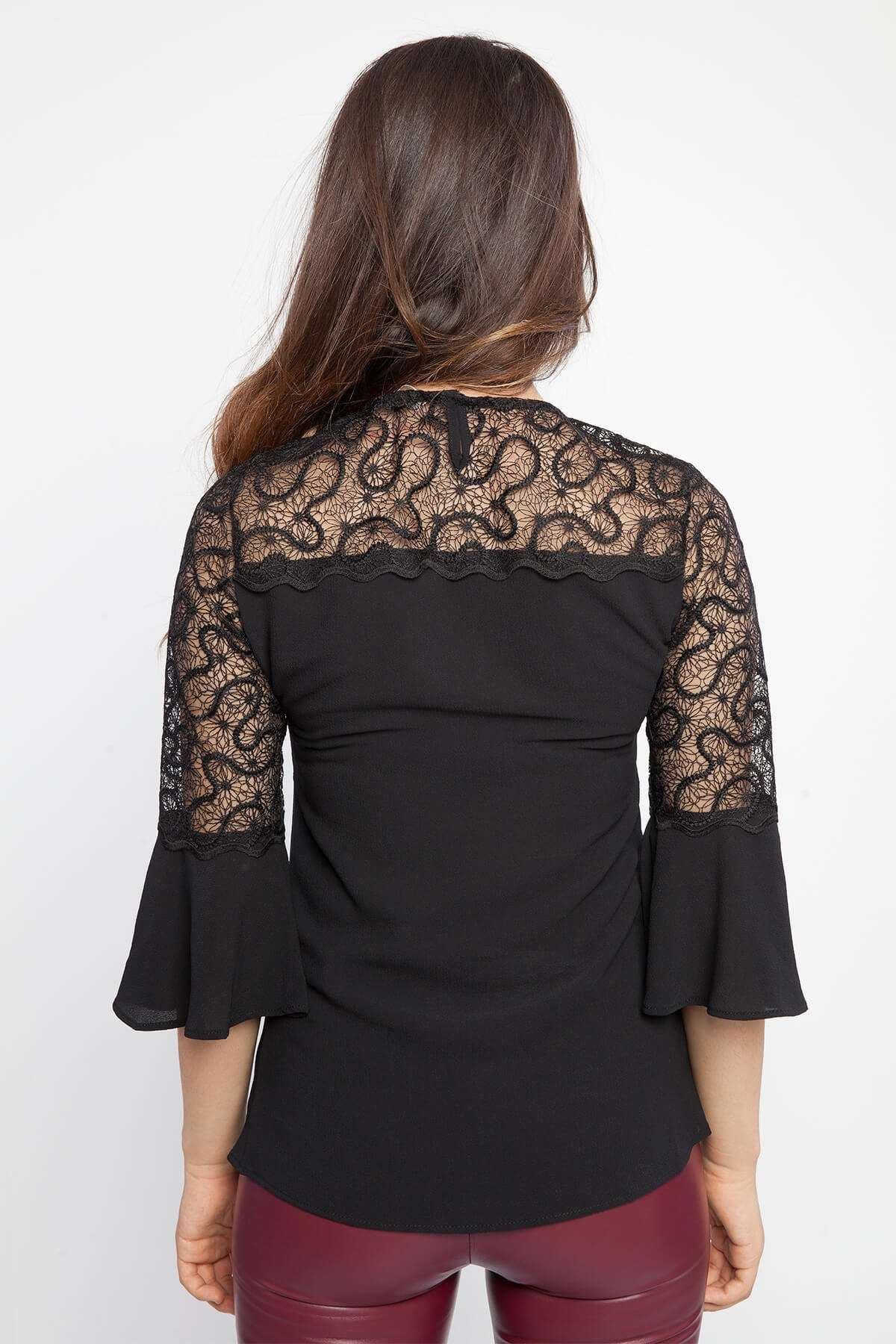 Volanlı Dantel Detaylı Bluz Siyah