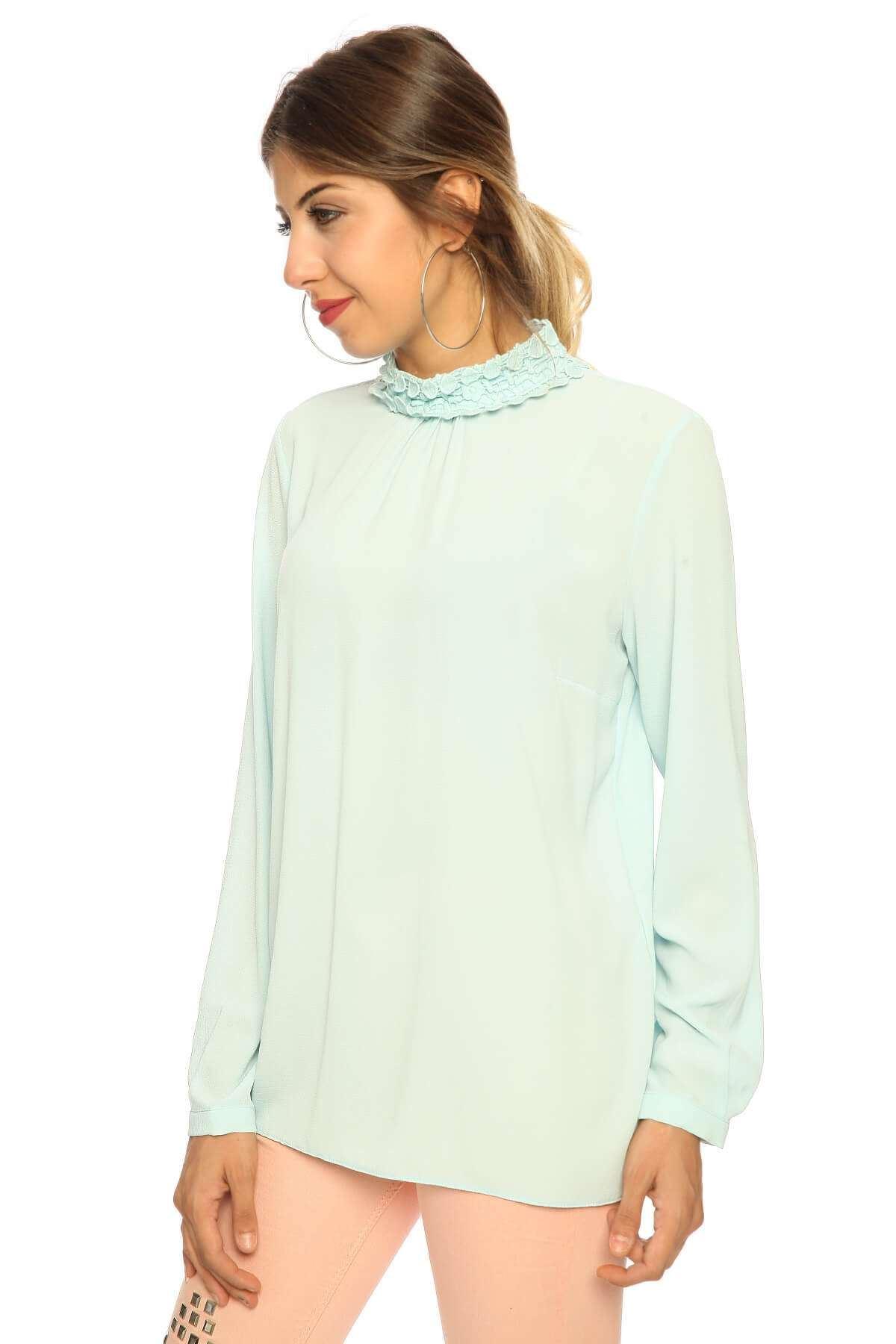 Yaka Dantel Detaylı Uzun Kol Bluz B.Mavı