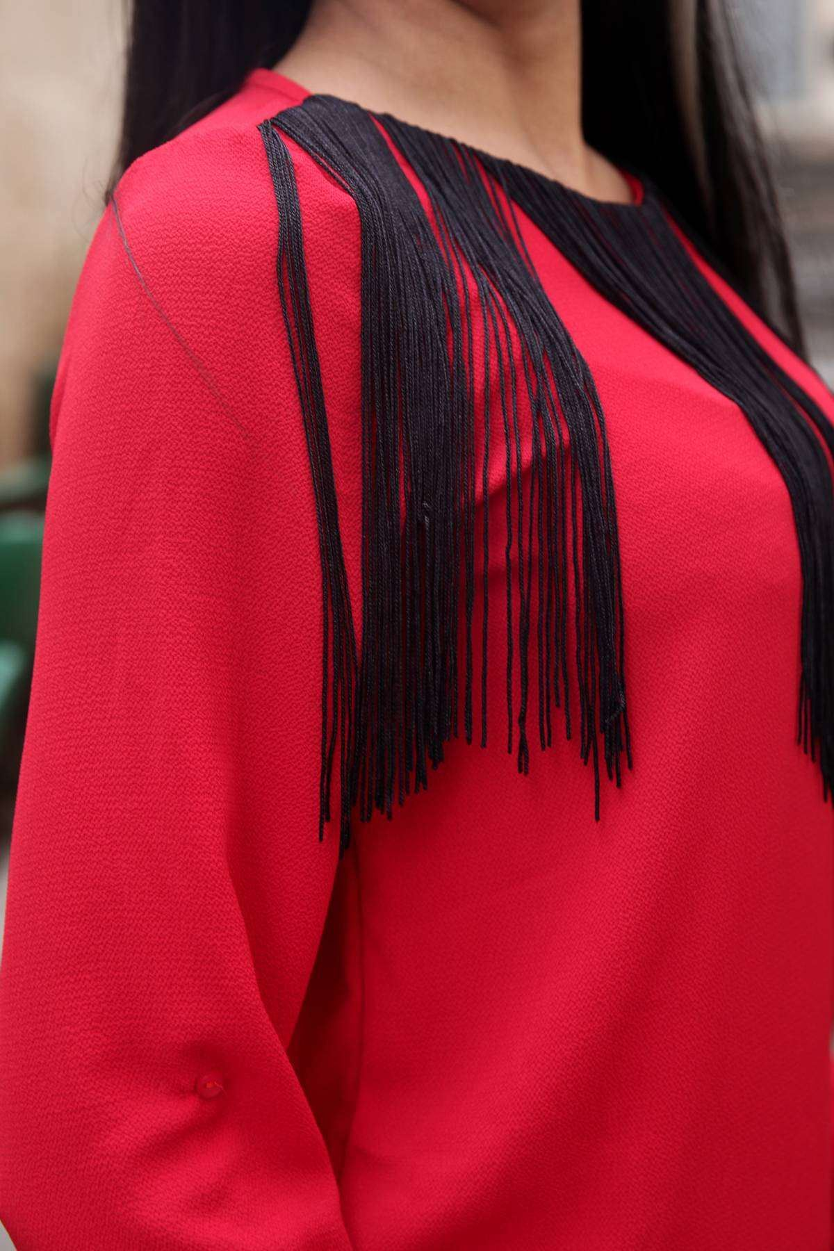 Yaka Uzun Püskül Detaylı Tül Kumaş Bluz Kırmızı