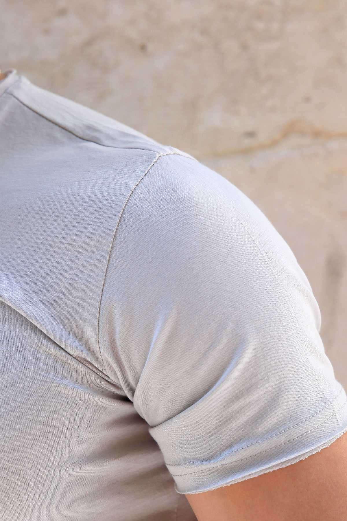 Yakası Çıtçıtlı Önü Kısa Arkası Uzun Pis Yaka Tişört Gri