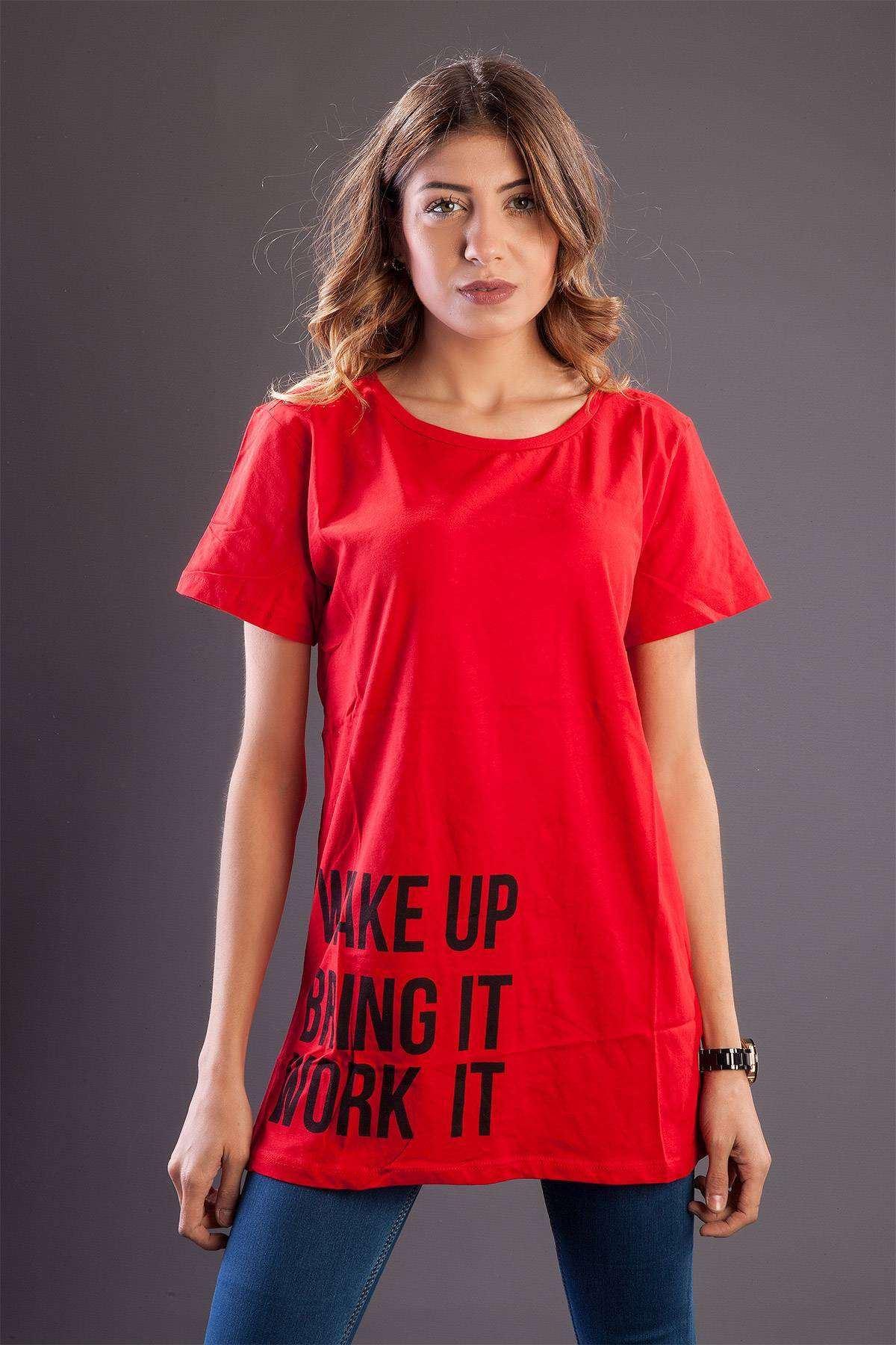 Yazı Detaylı Geniş Yakalı Uzun Tişört Kırmızı
